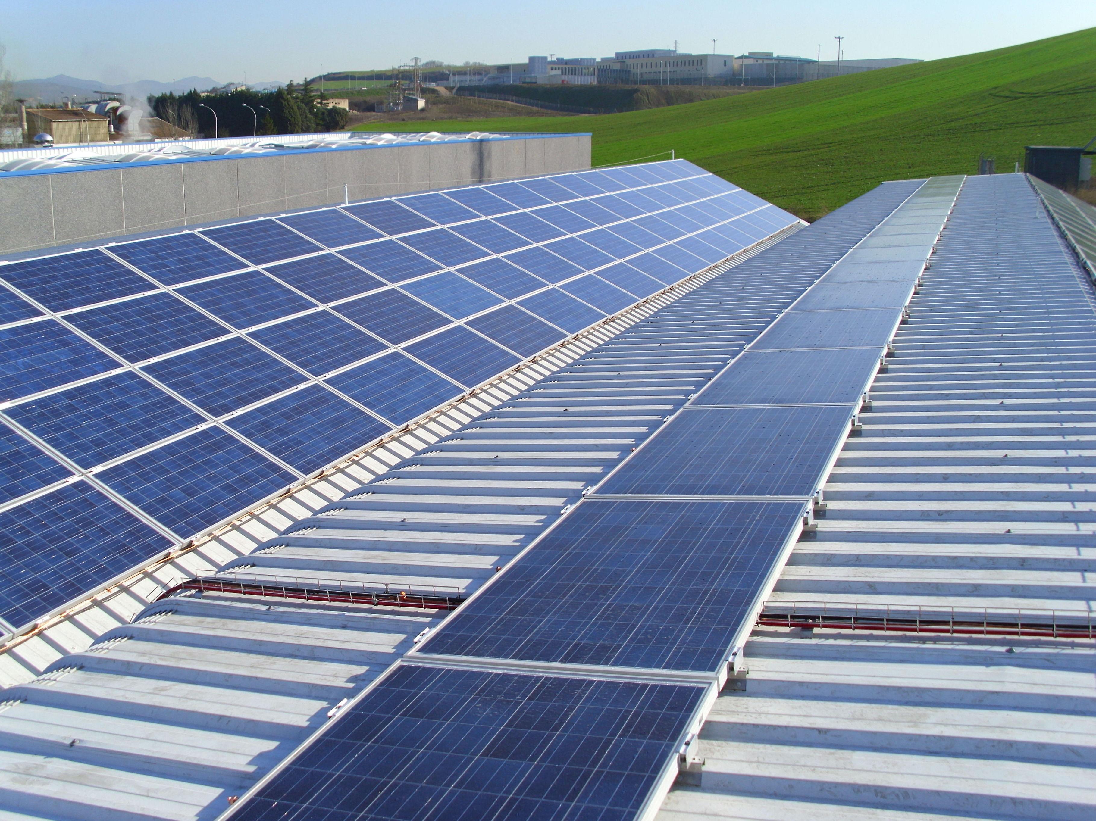 Solarfam, soluciones de eficiencia energética y energías renovables en Industria Navarra Cerro Santa Lucia