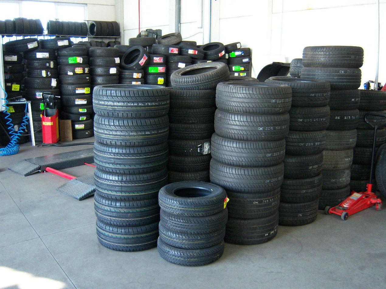 Neumáticos al por mayor Conema 2000 Fuenlabrada