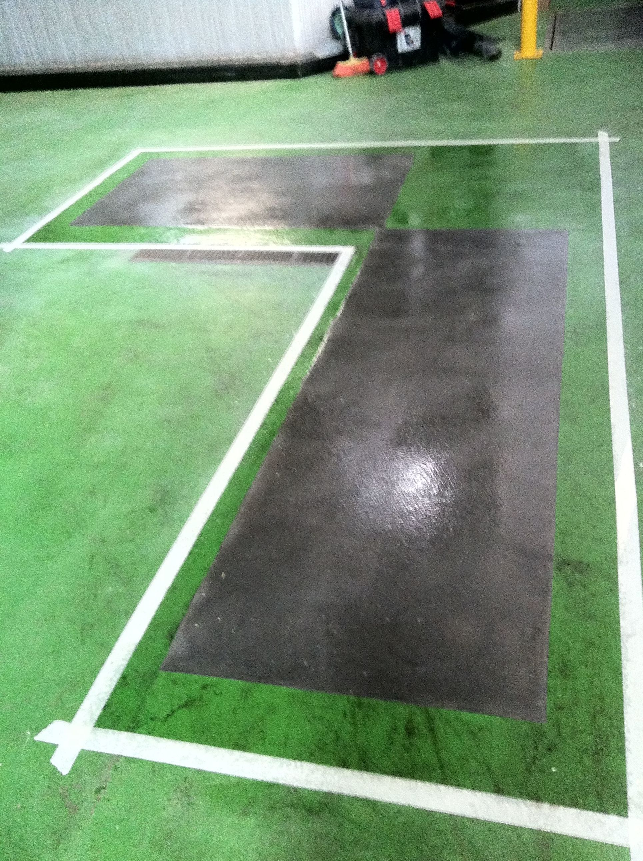 Reparación de pavimento epoxi aplicación de imprimación epoxi