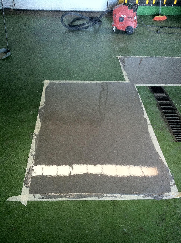 Reparación de pavimento epoxi vertido mortero autonivelante