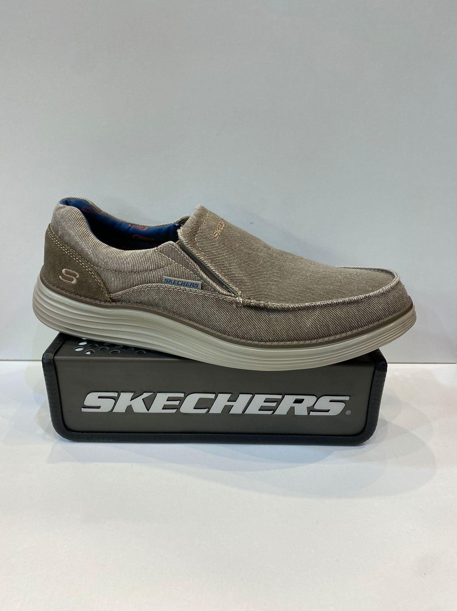Mocasí d'home, de la marca Skechers, ample especial plantilla extraible Classic Fit Air-Cooled Memory Foam, adaptable a plantilles ortopèdiques, sola de resalite 64.95€