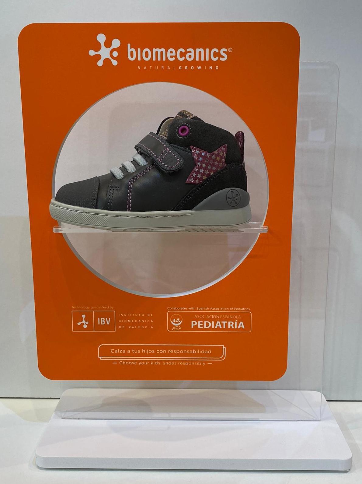 Botí de nena, de la marca Biomecanics, amb puntera reforçada amb goma 56.90€