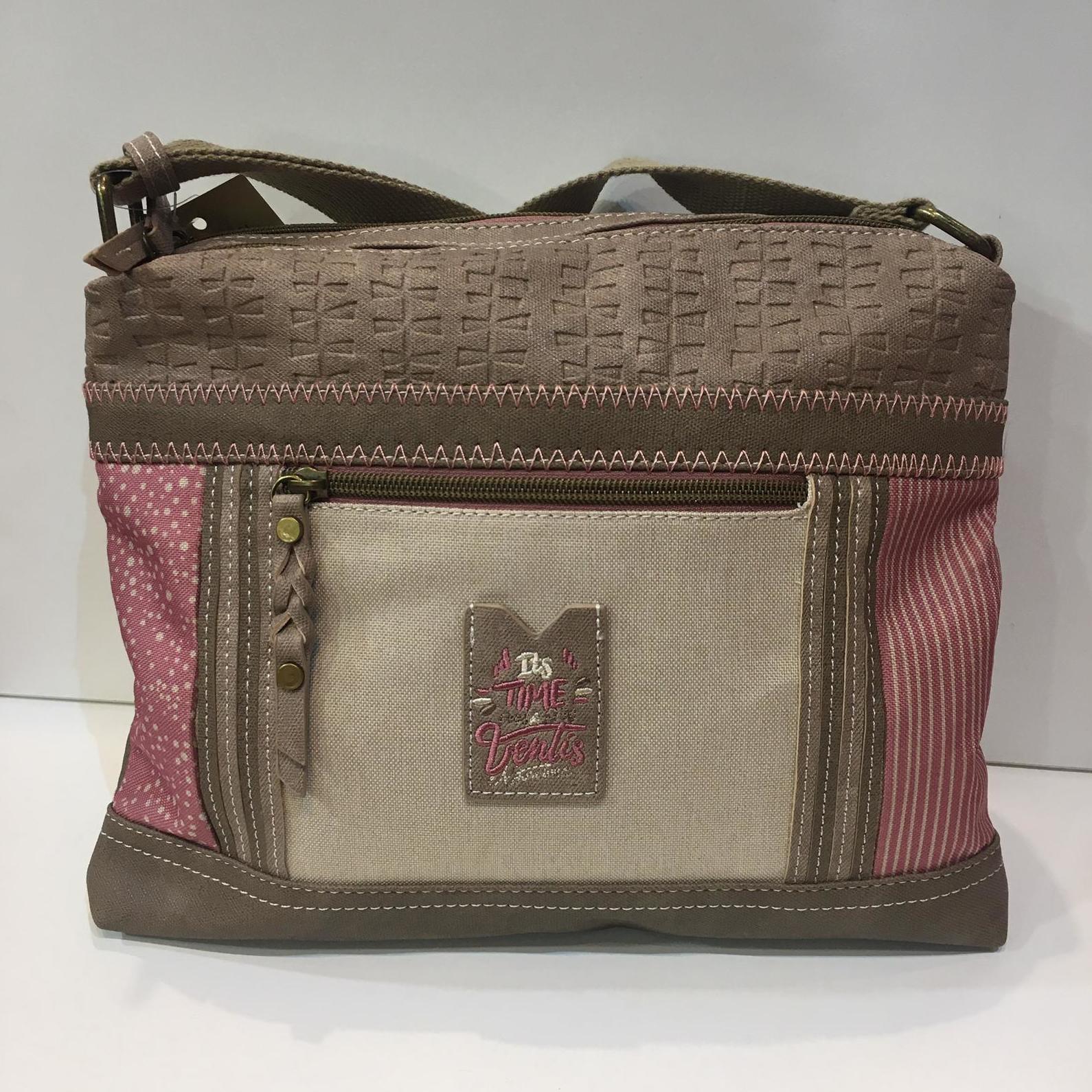 Bossa de la marca Ventis, de mida mitjana, amb molts compartiments per a una bona organització 35€