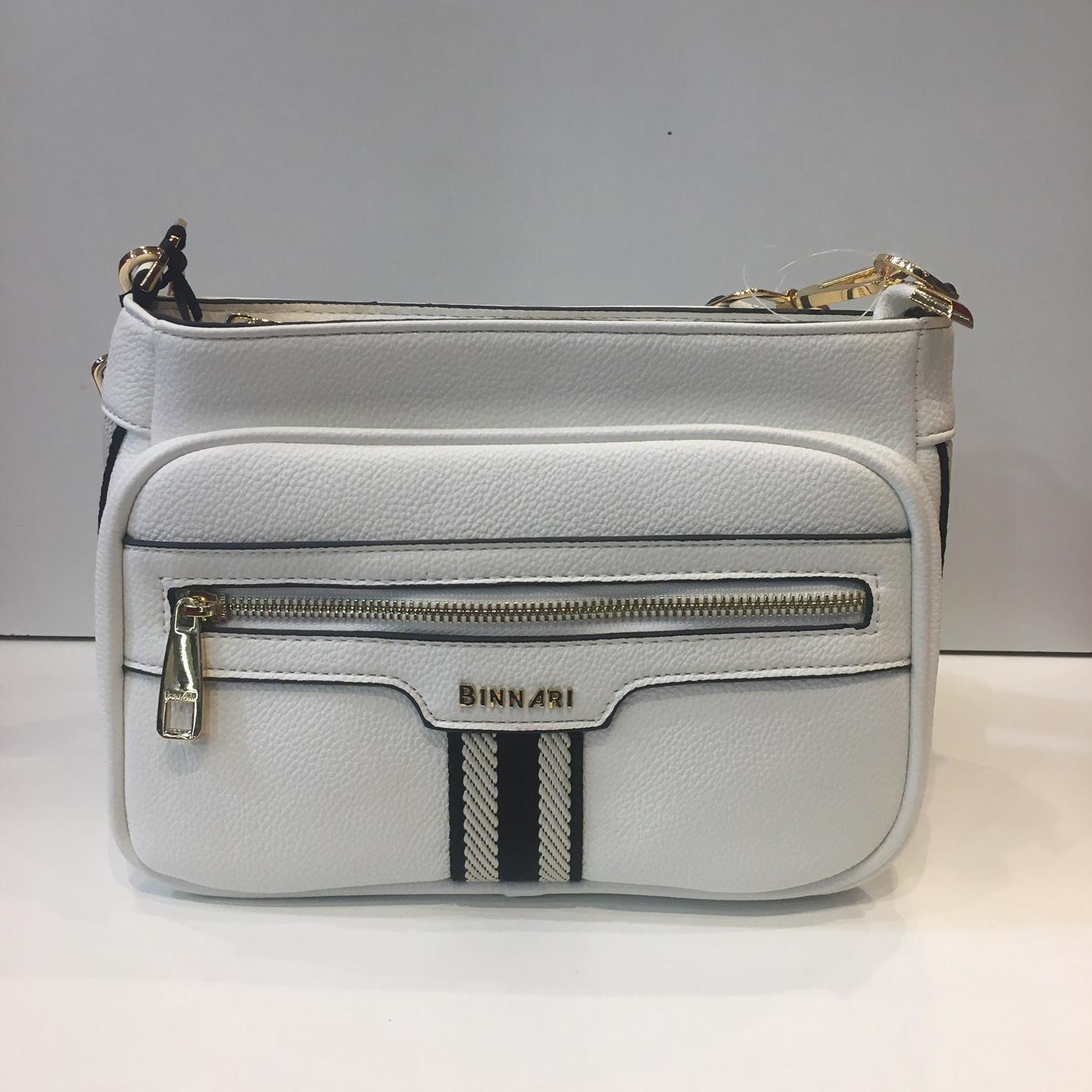 Bossa de la marca Binnari, amb tira adaptable a totes les llargades 42€ — a La Bisbal.