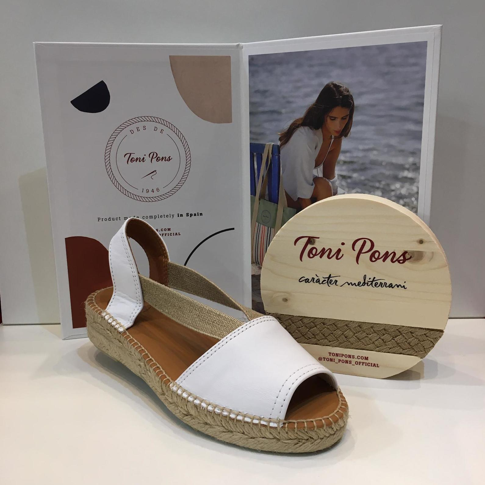 Espardenya d'espart de dona, de la marca Toni Pons, de pell blanca, amb plantilla encoixinada i folrada de pell, amb gomes elàstiques ultrasensibles 59.95€