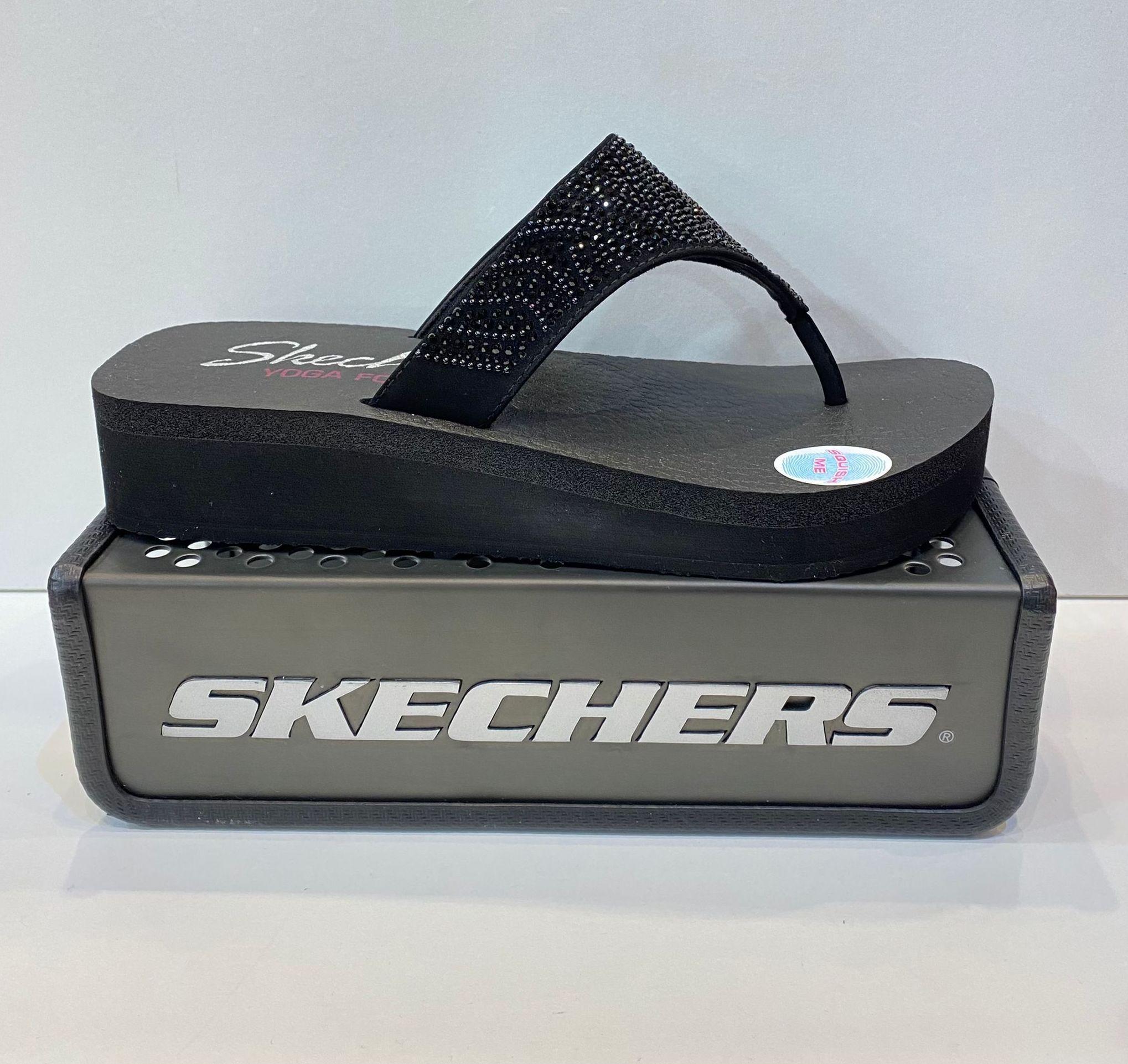 Esclava de dona, de la marca Skechers, plantilla Memory Foam, apte per a caminar i mullar 34.95€ www.calzadosllinas.es