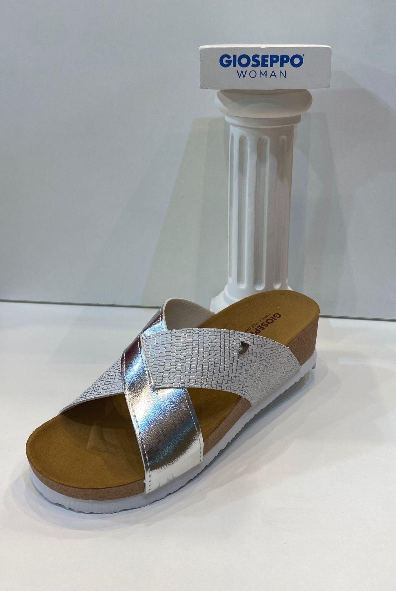 Sandàlia de dona, de la marca Gioseppo, ample especial, plantilla anatòmica 26.95€