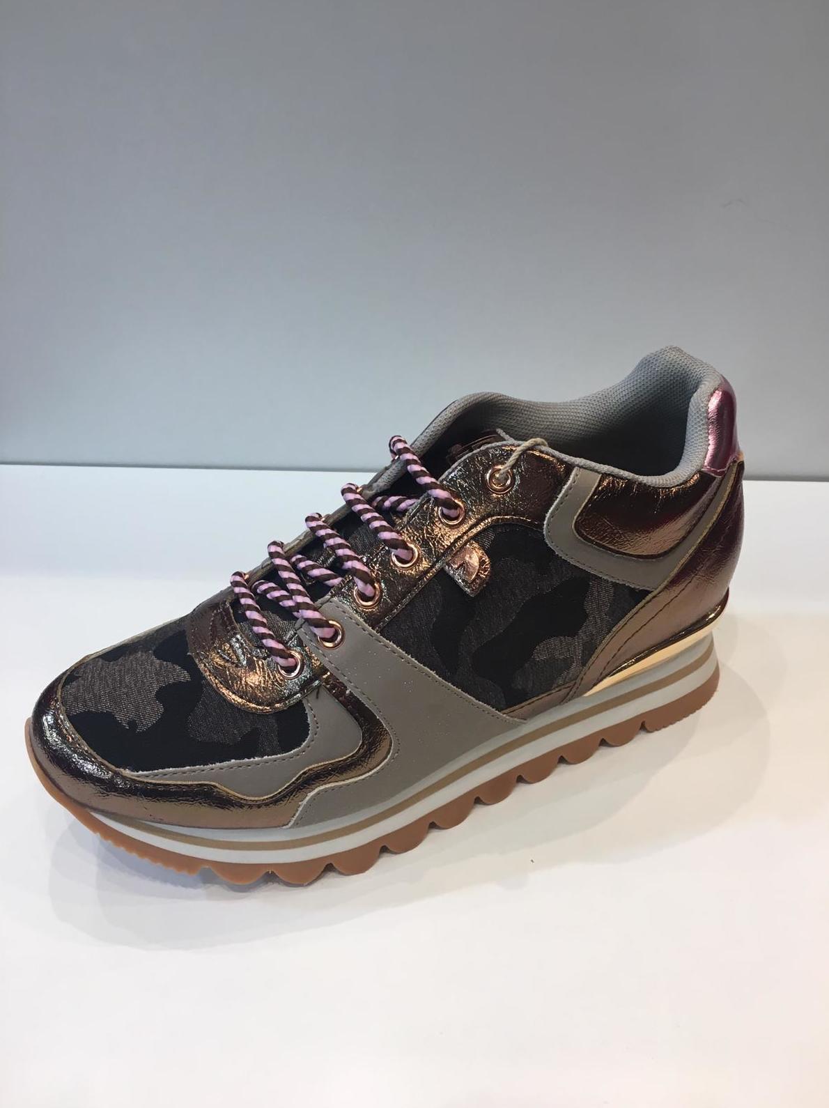 zapato deportivo señora