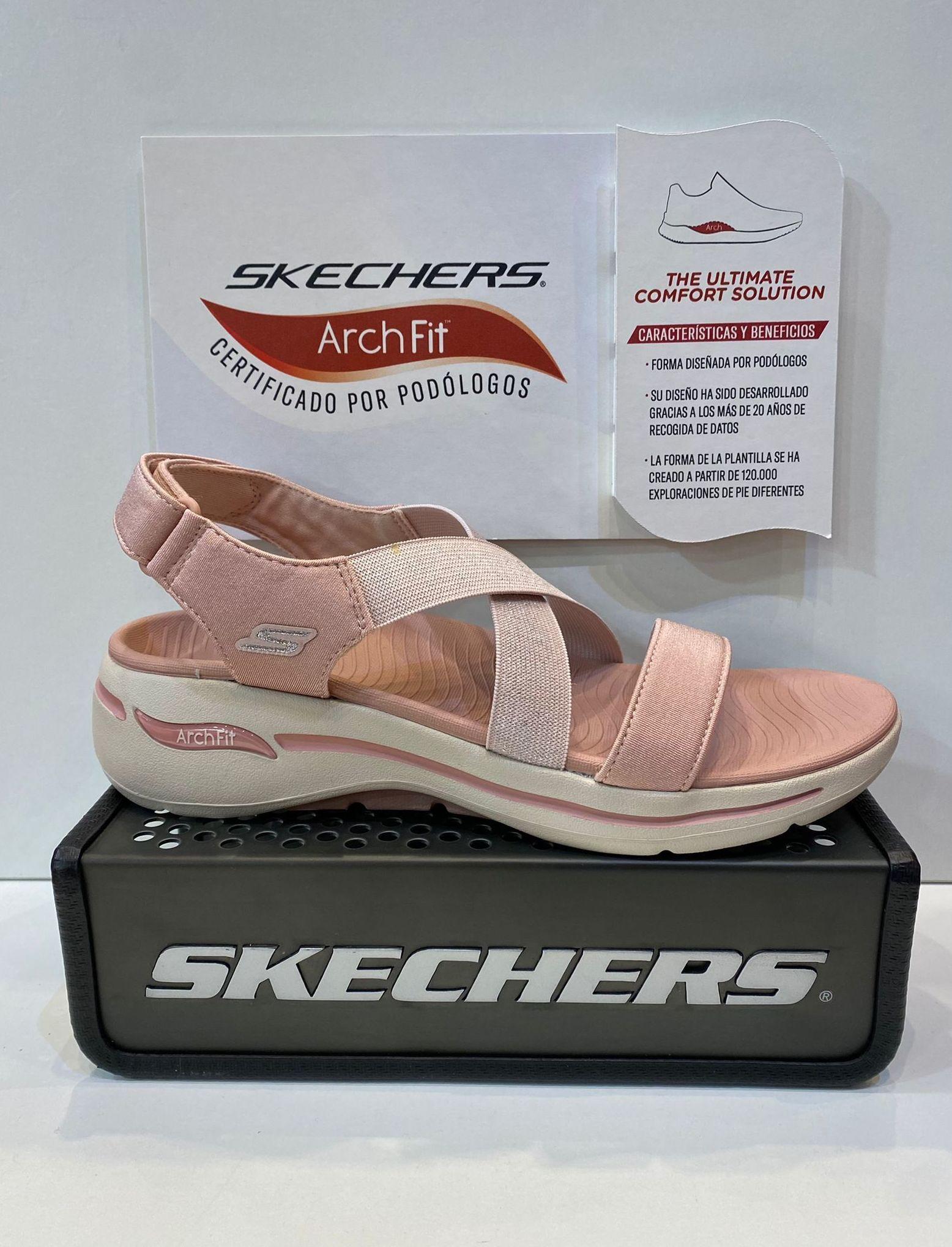Sandàlia de dona, de la marca Skechers Arch-Fit, especialment fetes per a solucionar problemes com, síndrome de Morton, Fastitis plantar i esperons, gran confort, ultralleugeres 64.95€ www.calzadosllinas.es