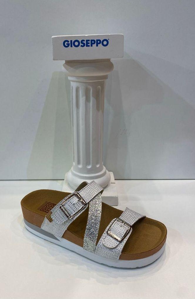 Sandàlia de nena, de la marca Gioseppo, adaptable a totes les amplades, plantilla anatòmica 26.95€