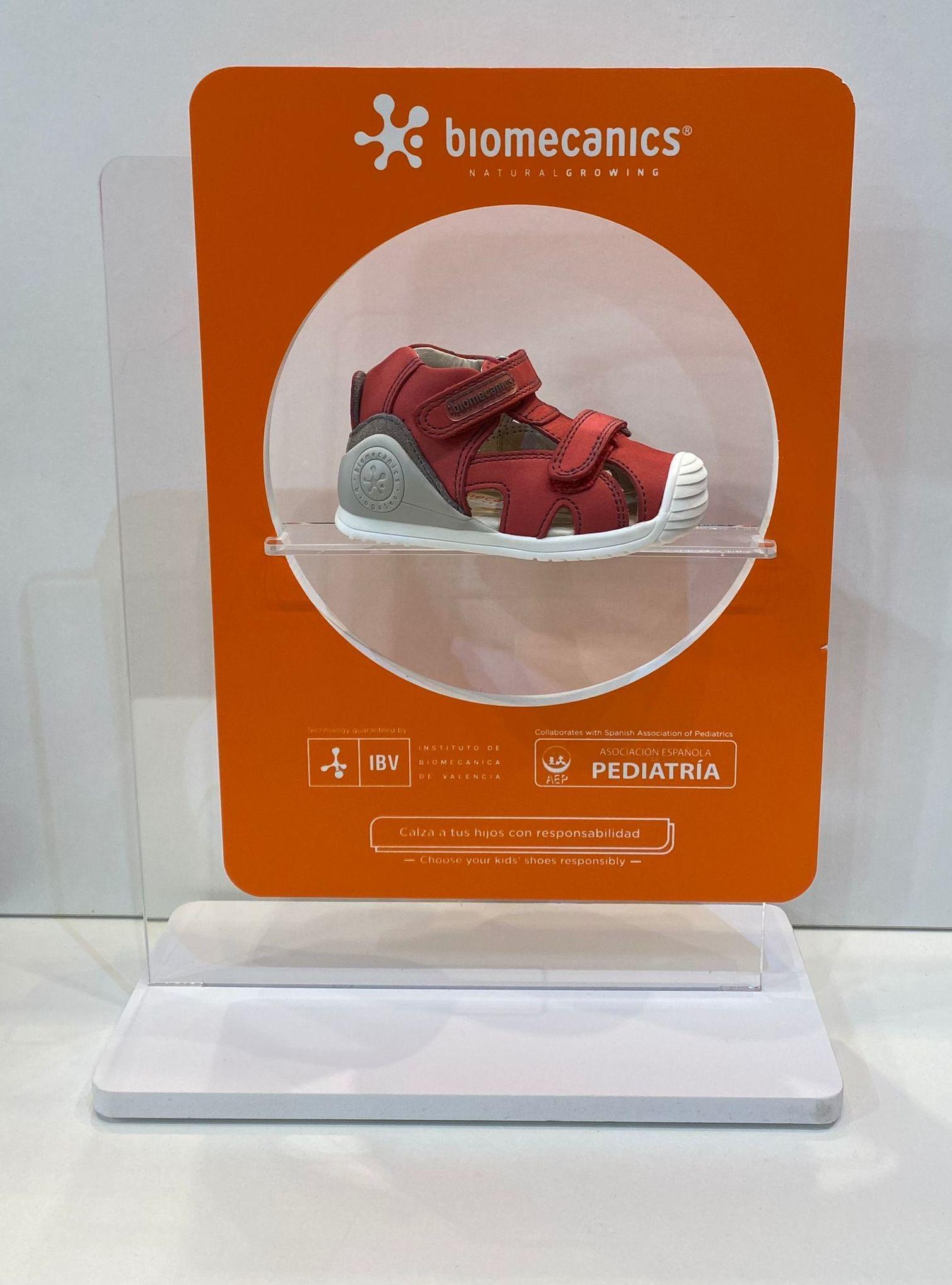 Sandàlia de nen, de la marca Biomecanics, de pell, amb estabilitzador 48.90€