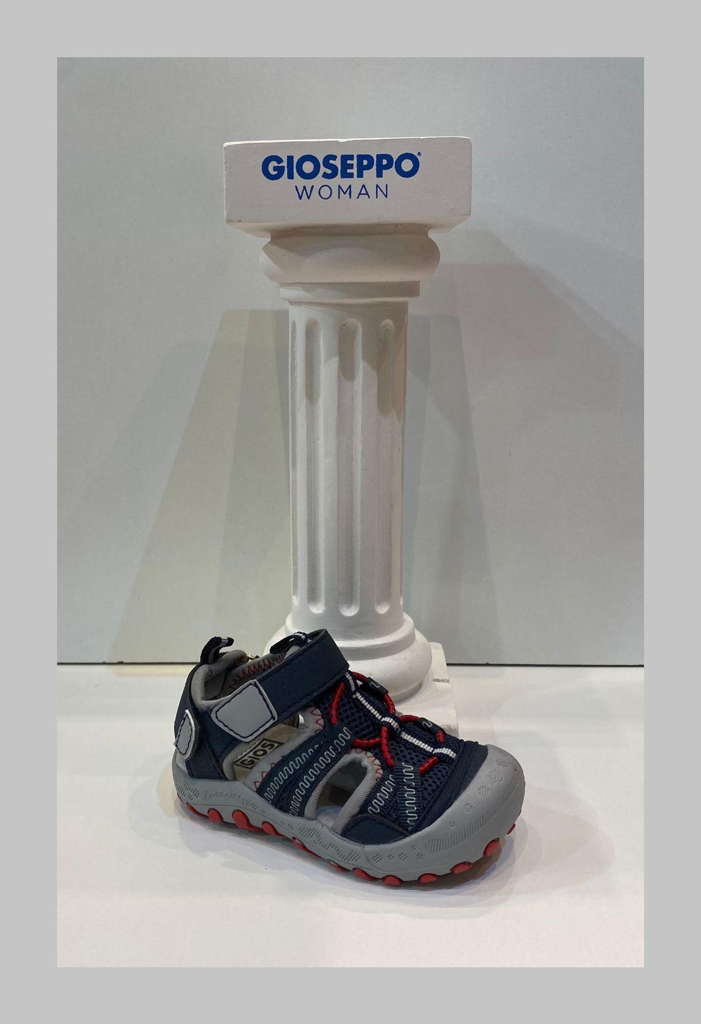 Sandàlia de nen, de la marca Gioseppo, especial per a caminar i mullar 29.95€