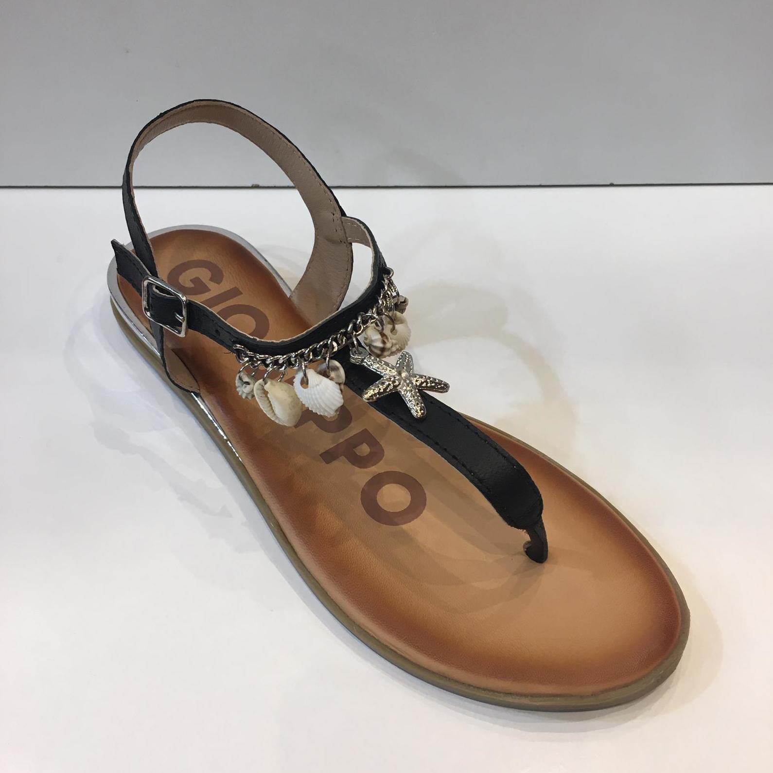 Esclava de la marca Gioseppo, de pell i corculles, plantilla encoixinada, sola de goma amb 2 cm de cunya 44.95€