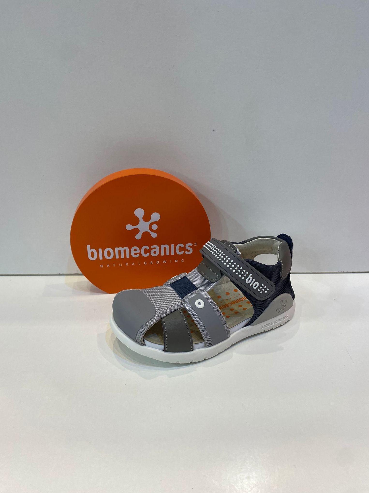Sandàlia de nen, de la marca Biomecanics, de pell, sola especial per caminar, amb estabilitzador per a màxima seguretat 50.90€
