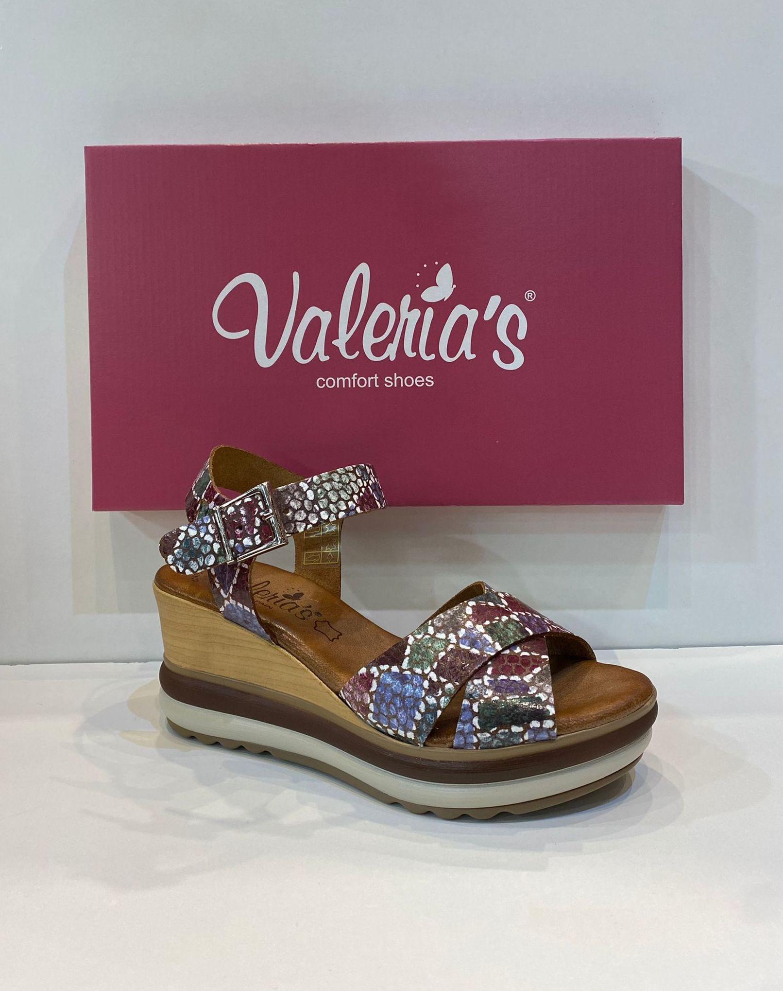 Sandàlia de dona, de la marca Valeria's, plantilla de gel de viscoelàstica, sola de politilè 49.90€ www.calzadosllinas.es