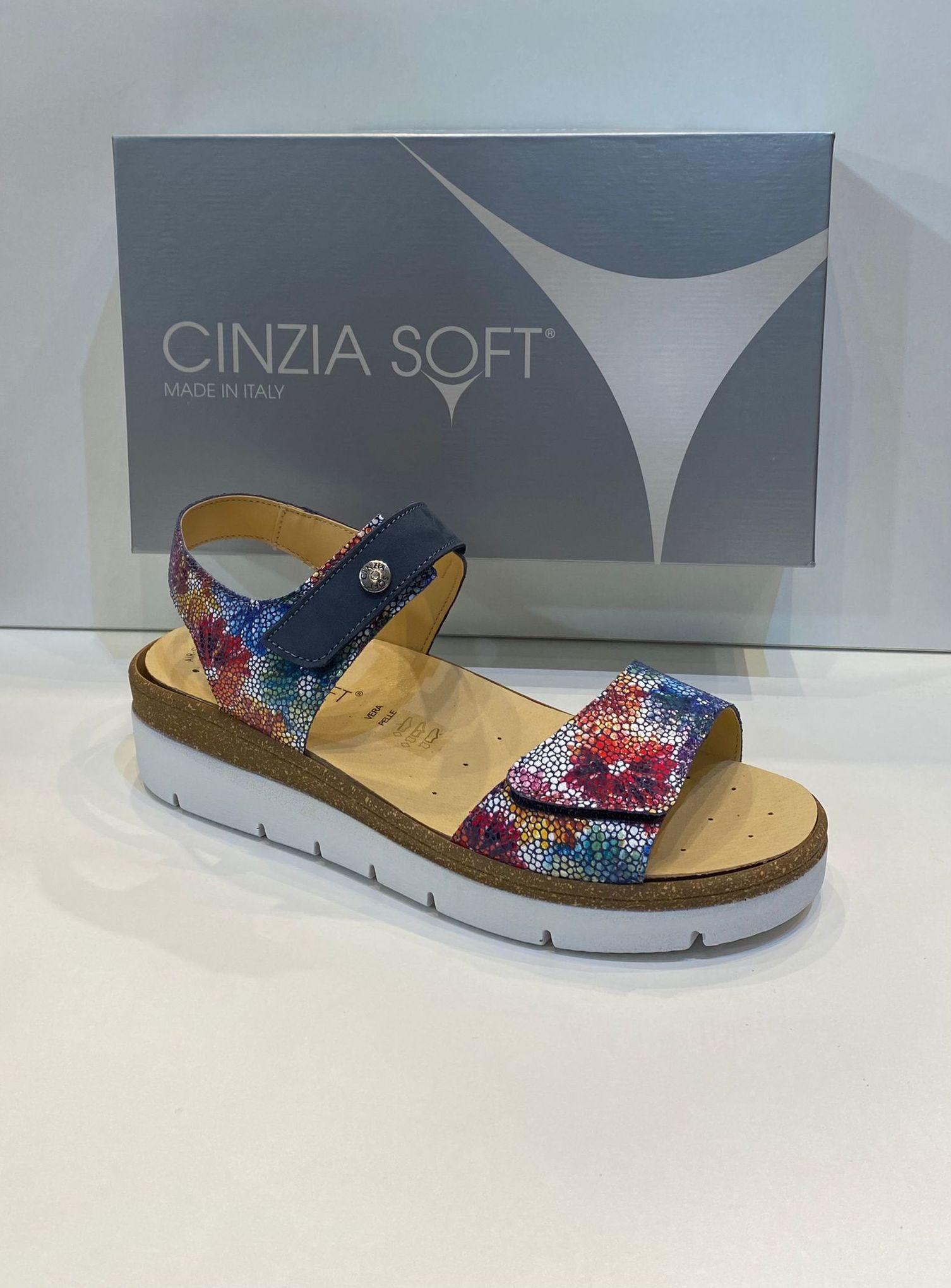 Sandàlia de dona, de la marca Cinzia Soft, ample especial, adaptable a totes les amplades, plantilla anatòmica extraible, adaptable a plantilles ortopèdiques de pas ample, sola de politilè 82€