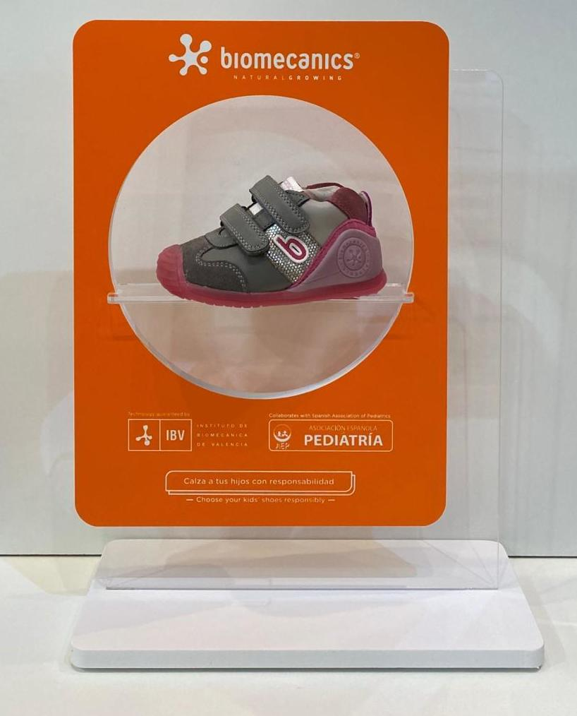 Botí de nena, de la marca Biomecanics, gamma biogateo, numeració petita fins al 24 49.90€