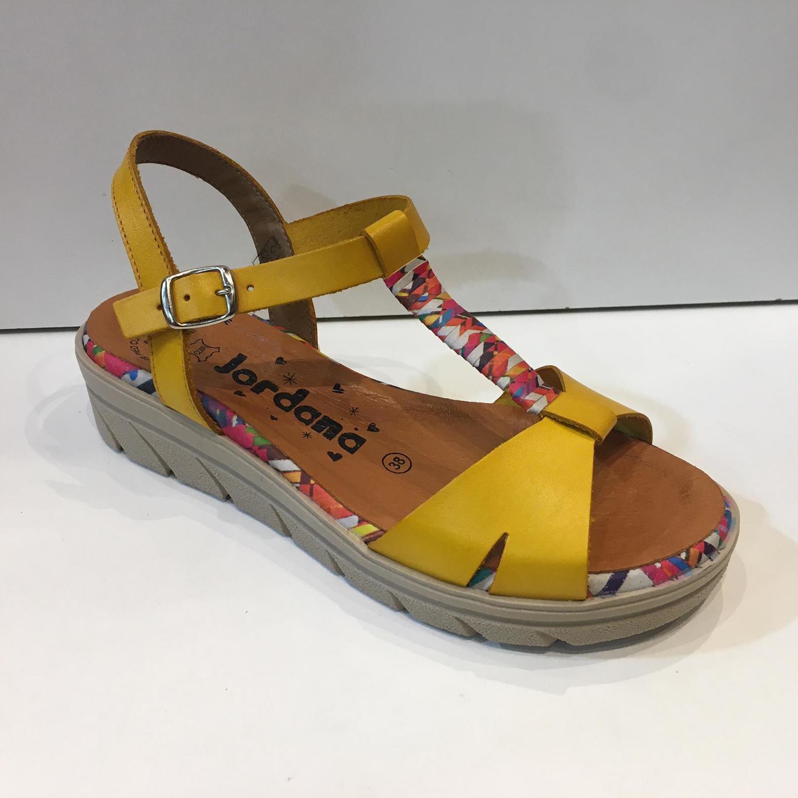 Sandàlia de dona, de la marca Jordana, de pell, ample especial, plantilla de làtex i sola de poliouretà 39.95€
