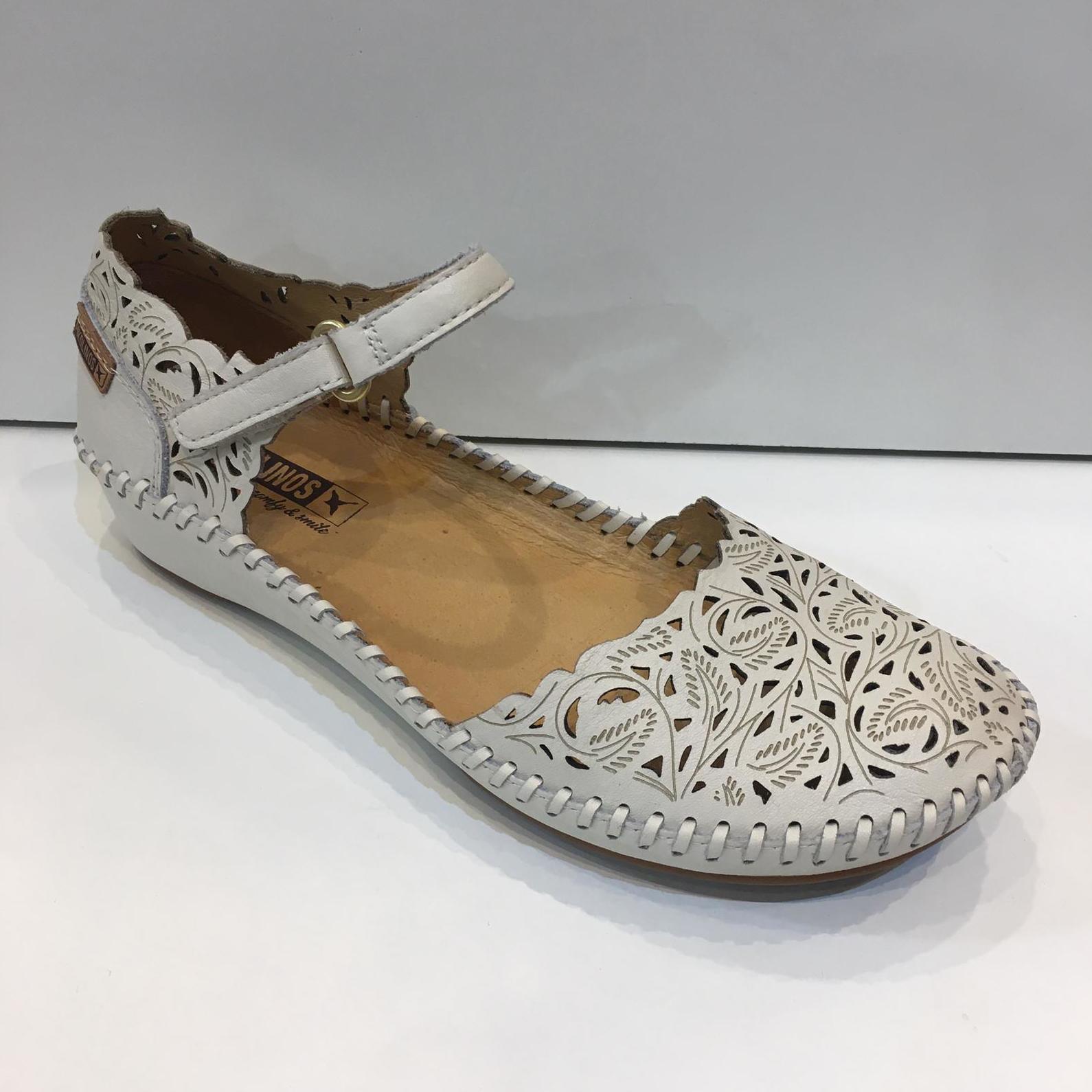 Sandànlia de dona tapada, de la marca Pikolinos, de pell, planta de làtex i sola de crepe, NUMERACIÓ ESPECIAL FINS AL 42 96€