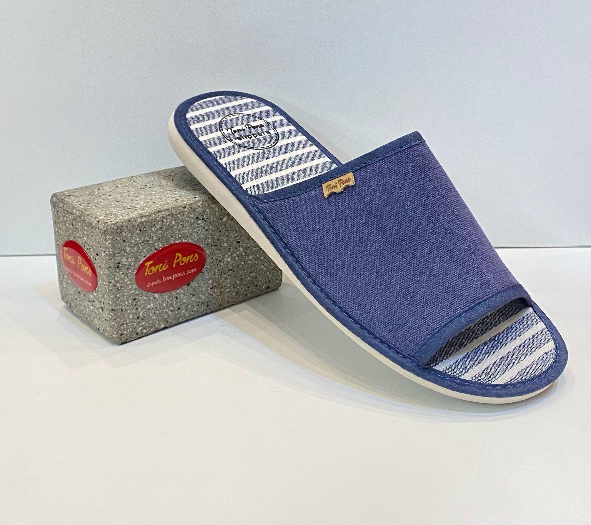 Espardenya d'home, de la marca Toni Pons, 100% cotó, amb sola de microporós especial parquet 27€ www.calzadosllinas.es