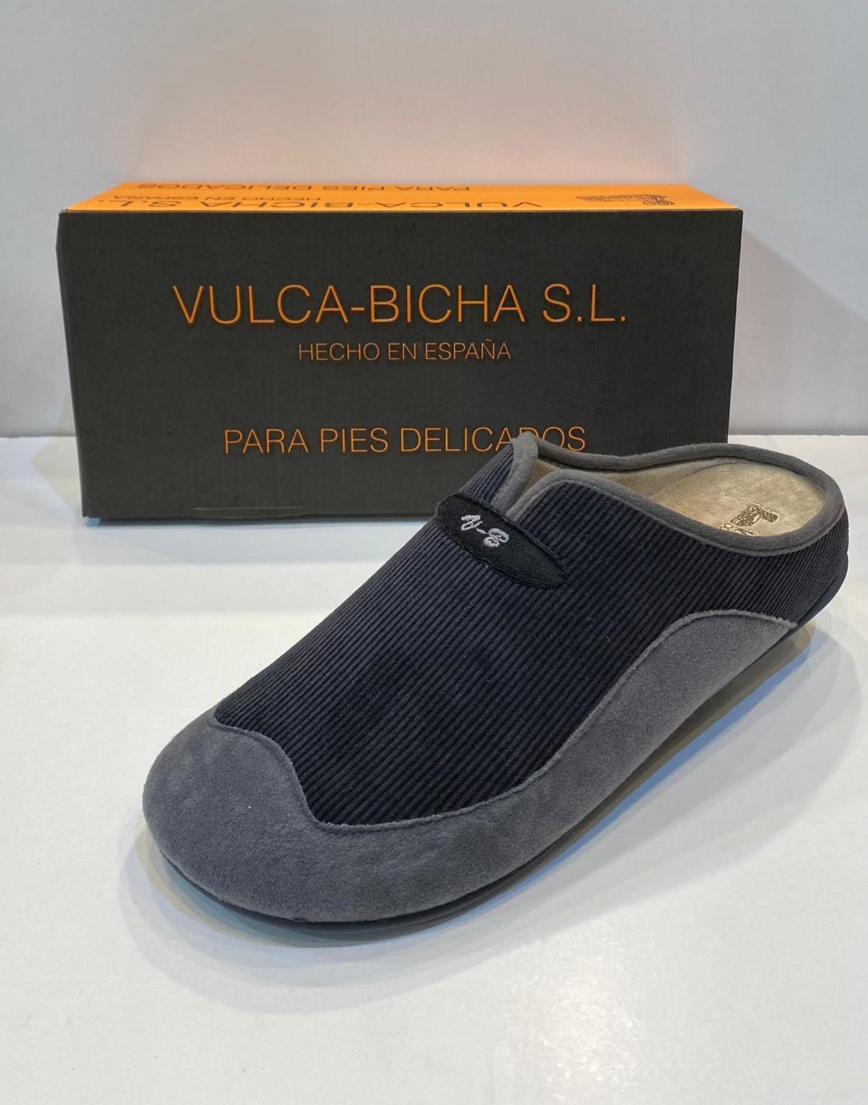 Espardenya d'home de la marca Vulca-Bicha, amb plantilla extraible i sola de goma 22€