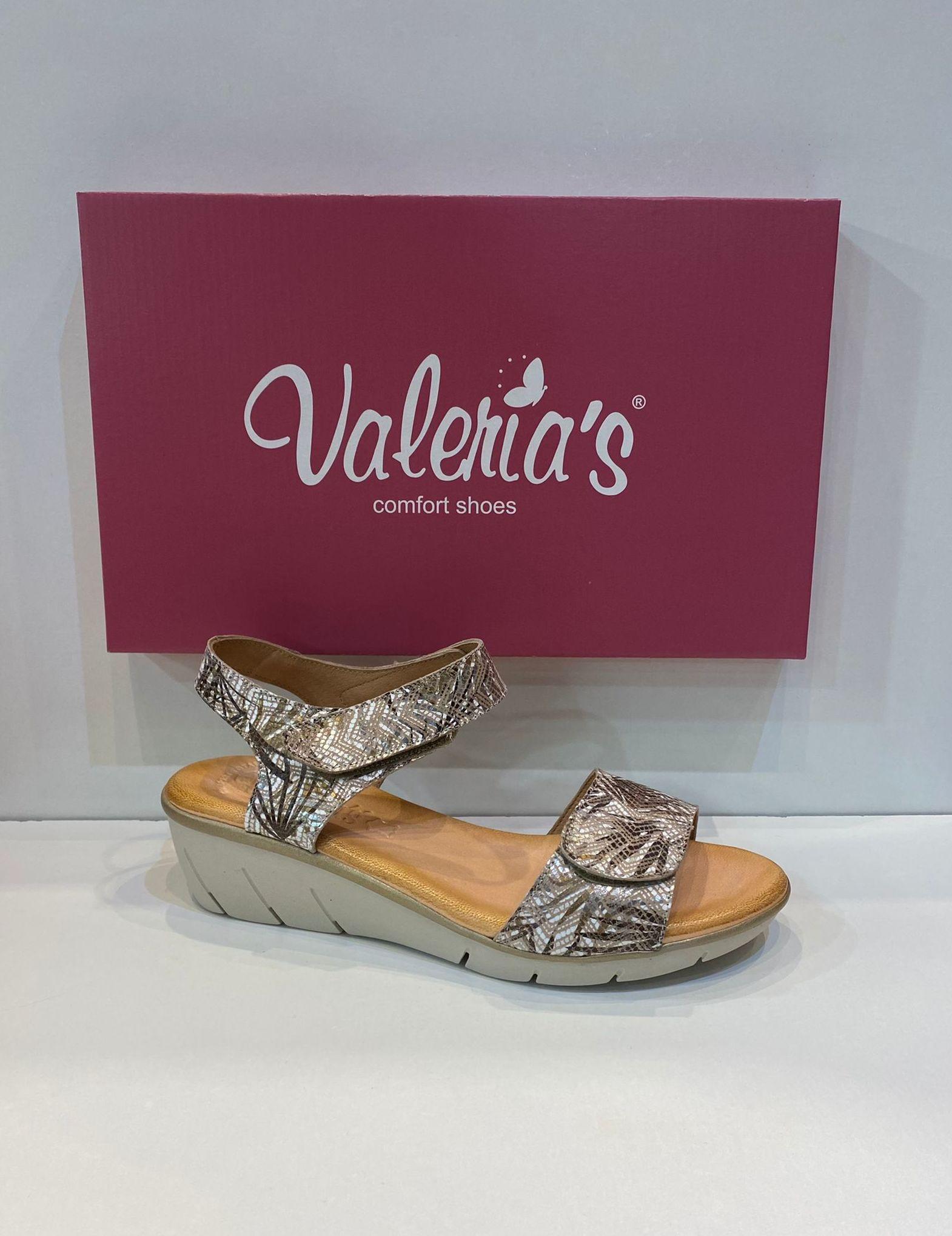 Sandàlia de dona, de la marca Valeria's, plantilla de gel de viscoelàstica, sola de goma antilliscant Flex confort 45.90€ www.calzadosllinas.es