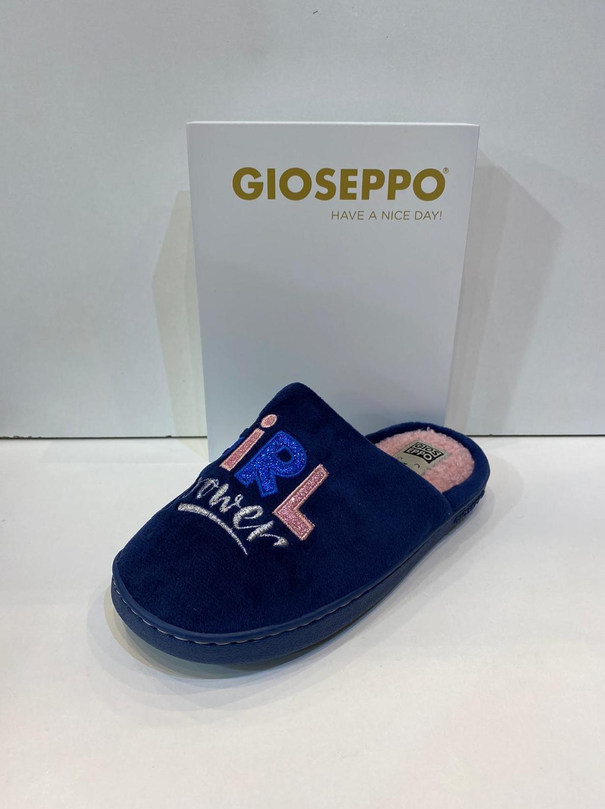 Espardenya de nena, de la marca Gioseppo, plantilla encoixinada i sola de goma 16.95
