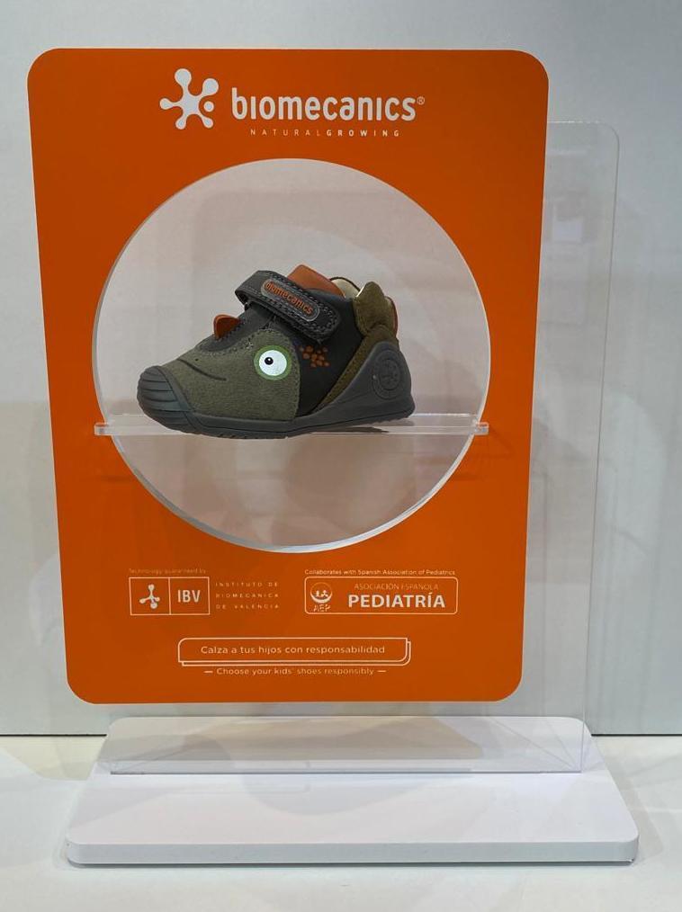 Botí de nen, de la marca Biomecanics, gamma biogateo, numeració petita fins al 24 54.90€