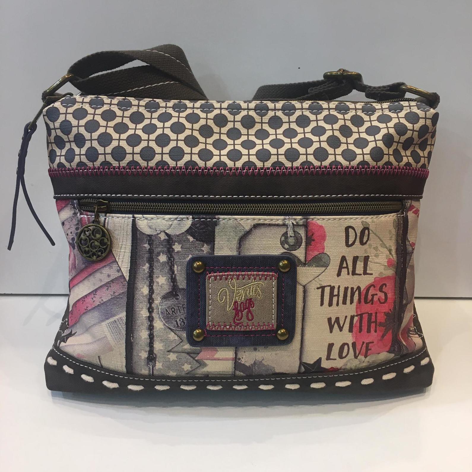 Bossa de la marca Ventis, adaptable a totes les mides 35€ — a La Bisbal.