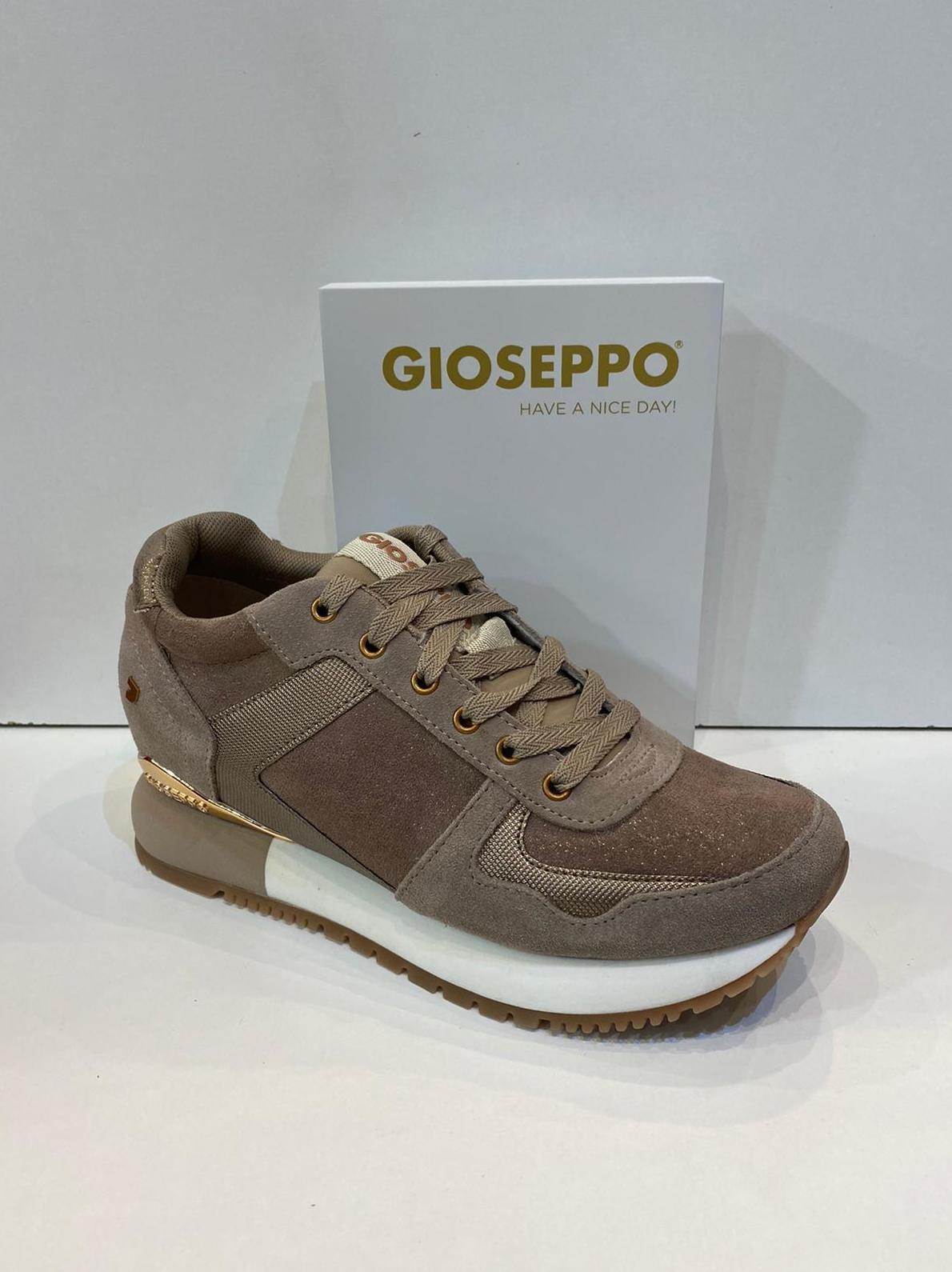Blucher de dona, de la marca Gioseppo, amb 3 cm de taló 64.95€
