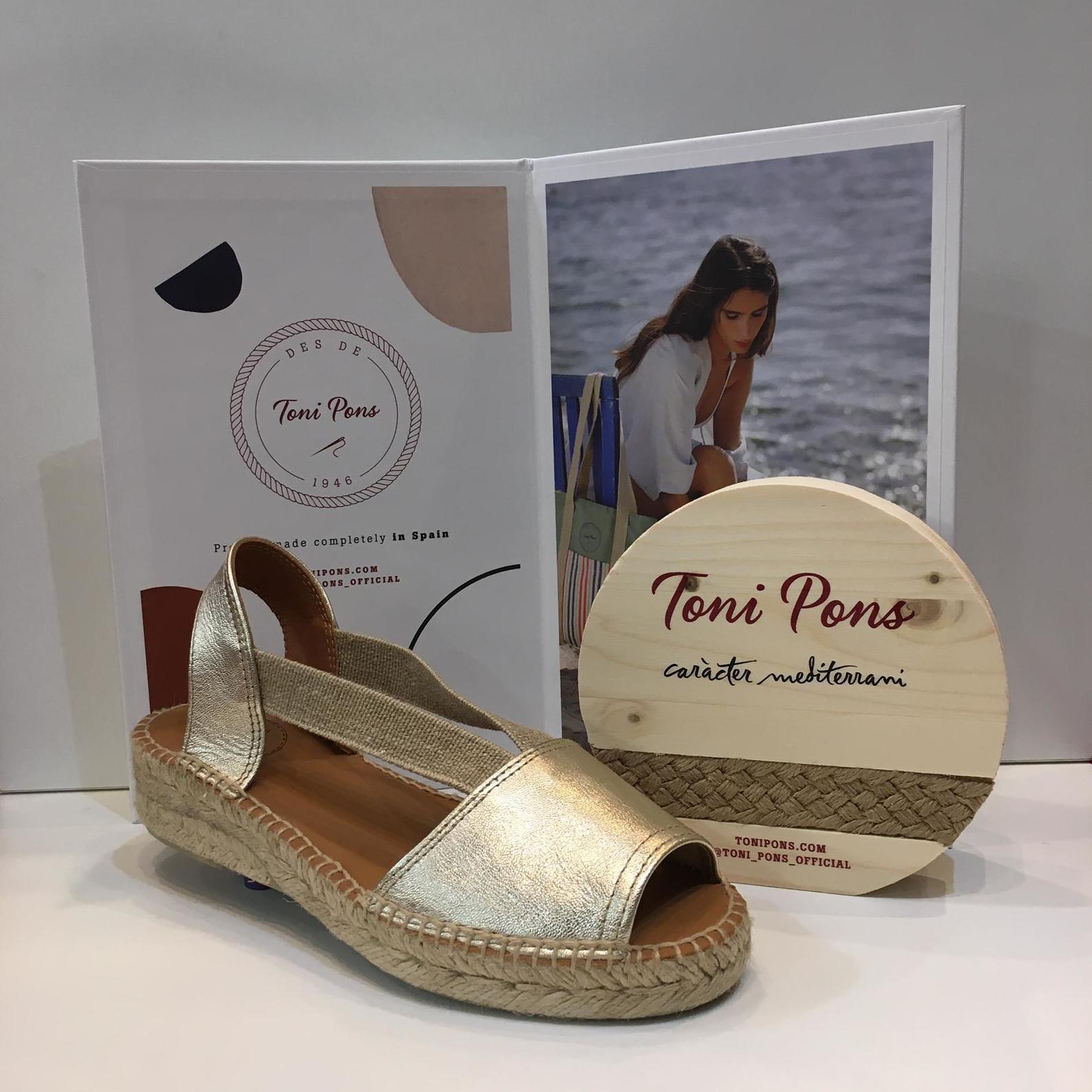 Espardenya d'espart de dona, de la marca Toni Pons, de pell platí, amb plantilla encoixinada i folrada de pell, amb gomes elàstiques ultrasensibles 59.95€