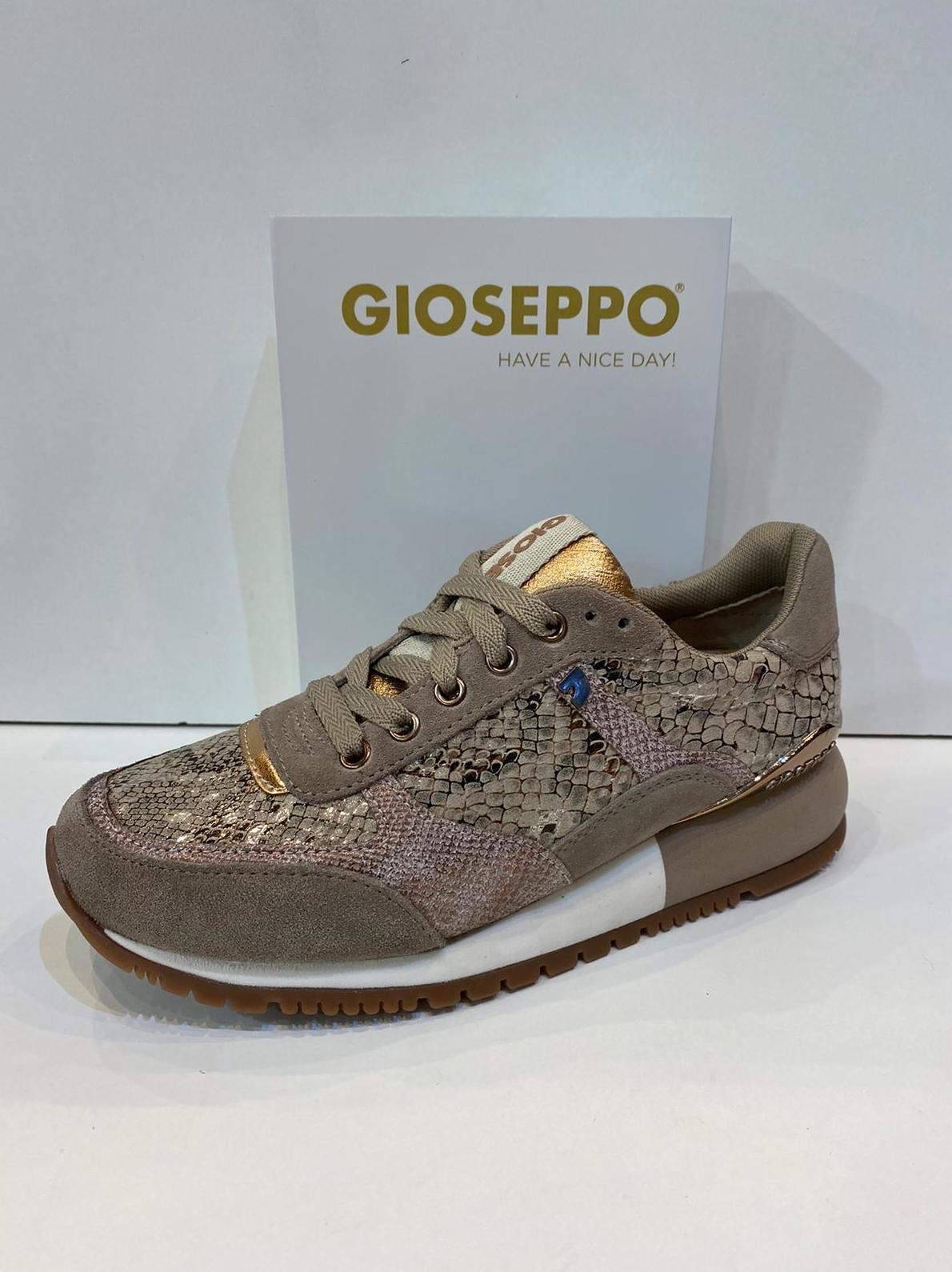 Blucher de dona de la marca Gioseppo, amb sola de 2 cm 59.95€