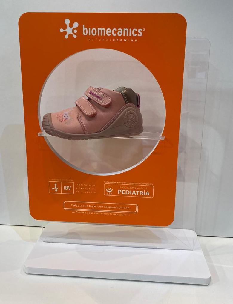 Botí de nena, de la marca Biomecanics, gamma biogateo, numeració petita fins al 24 50.90€