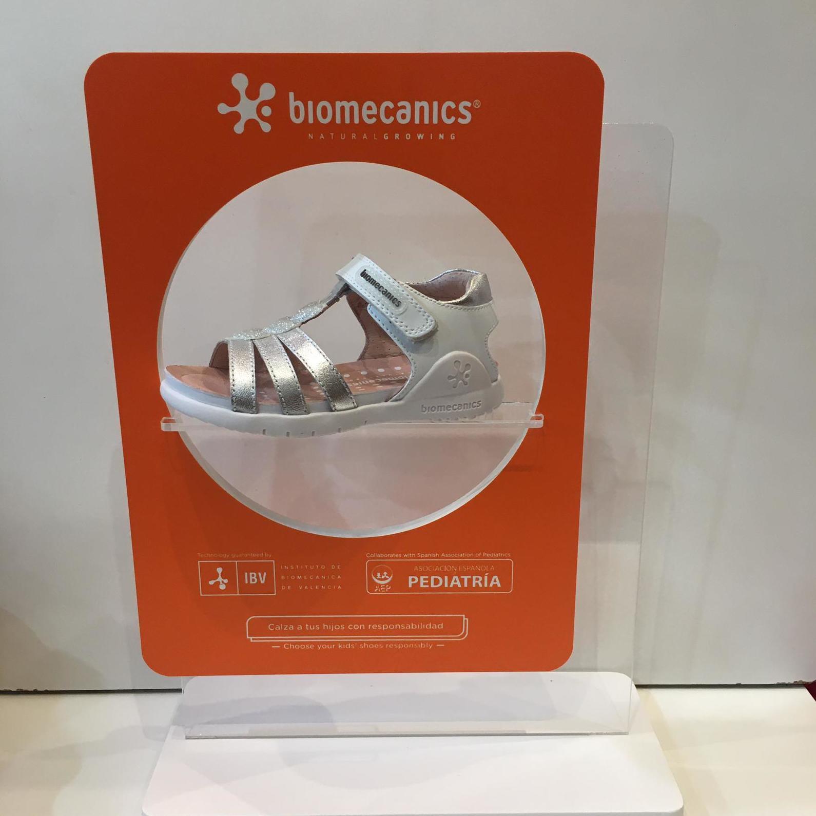 Sandàlia de la marca Biomecanics, de pell, amb contrafort per a no regirar-se els turmells 47.90€