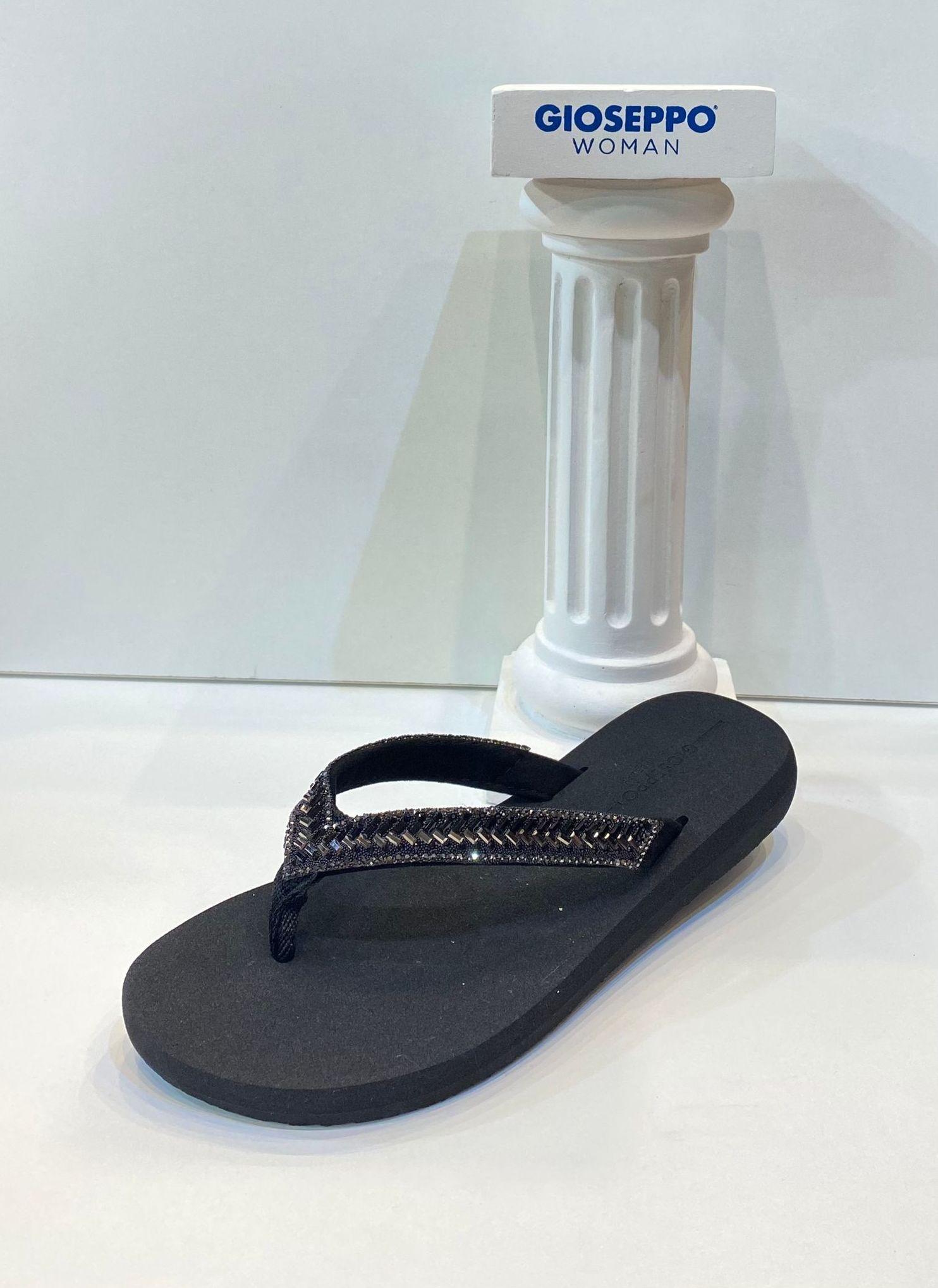 Esclava de dona, de la marca Gioseppo, per a caminar i mullar 22.95€