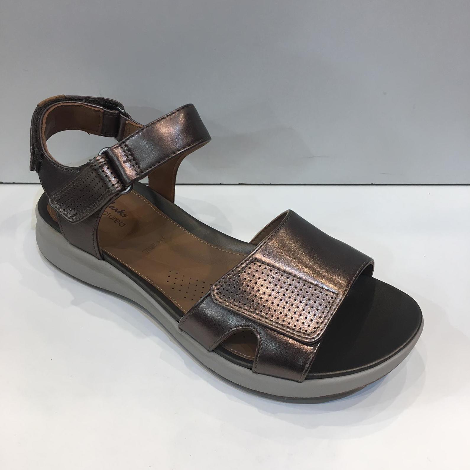 Sandàlia de la marca Clarks, de pell, adaptable a totes les amplades 99.95€