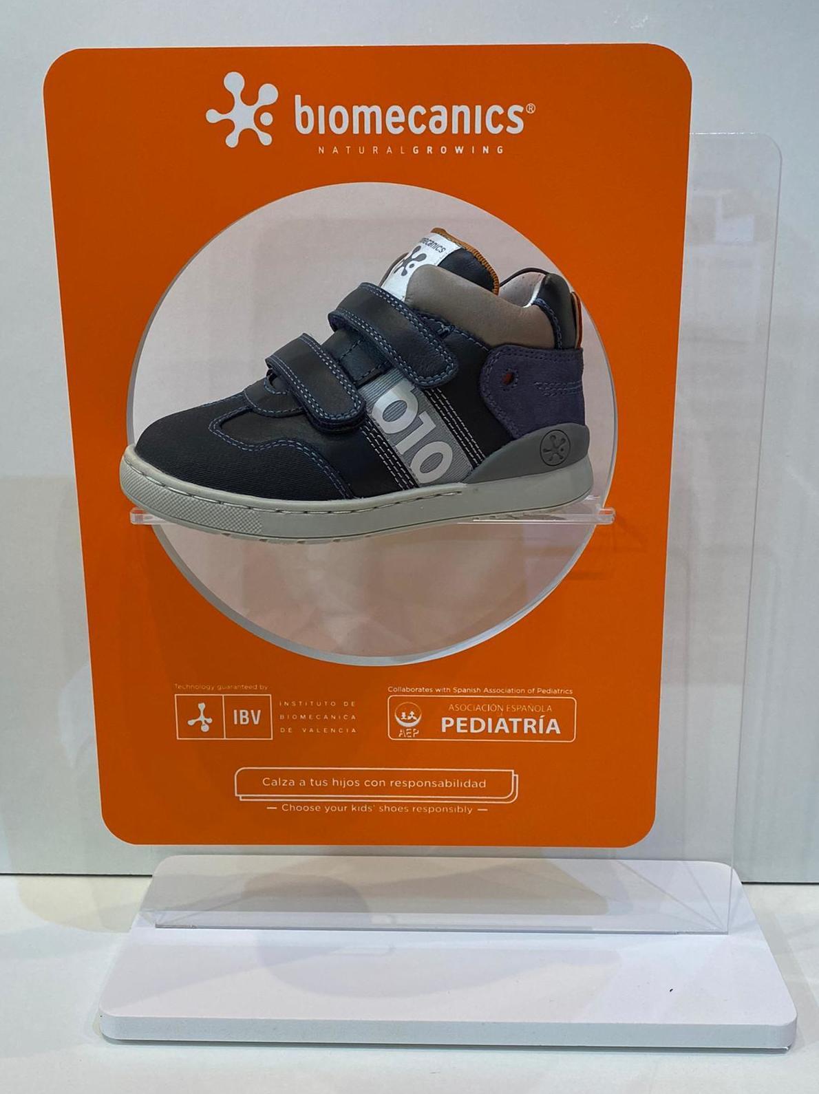 Botí de nen, de la marca Biomecanics, amb puntera reforçada amb goma