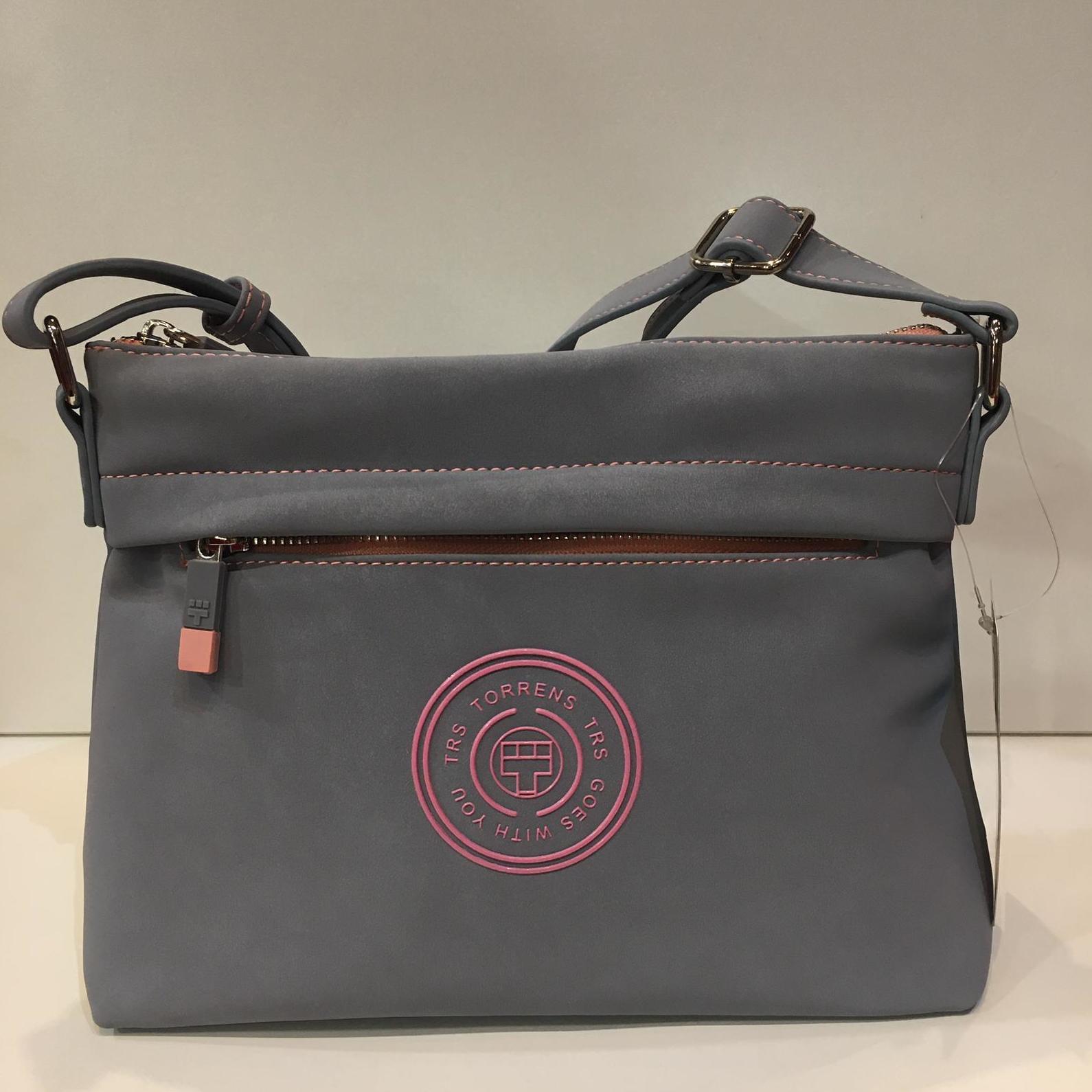 Bossa de la marca Torrens, de mida petita, amb tira llatga adaptable a totes les mides 39€