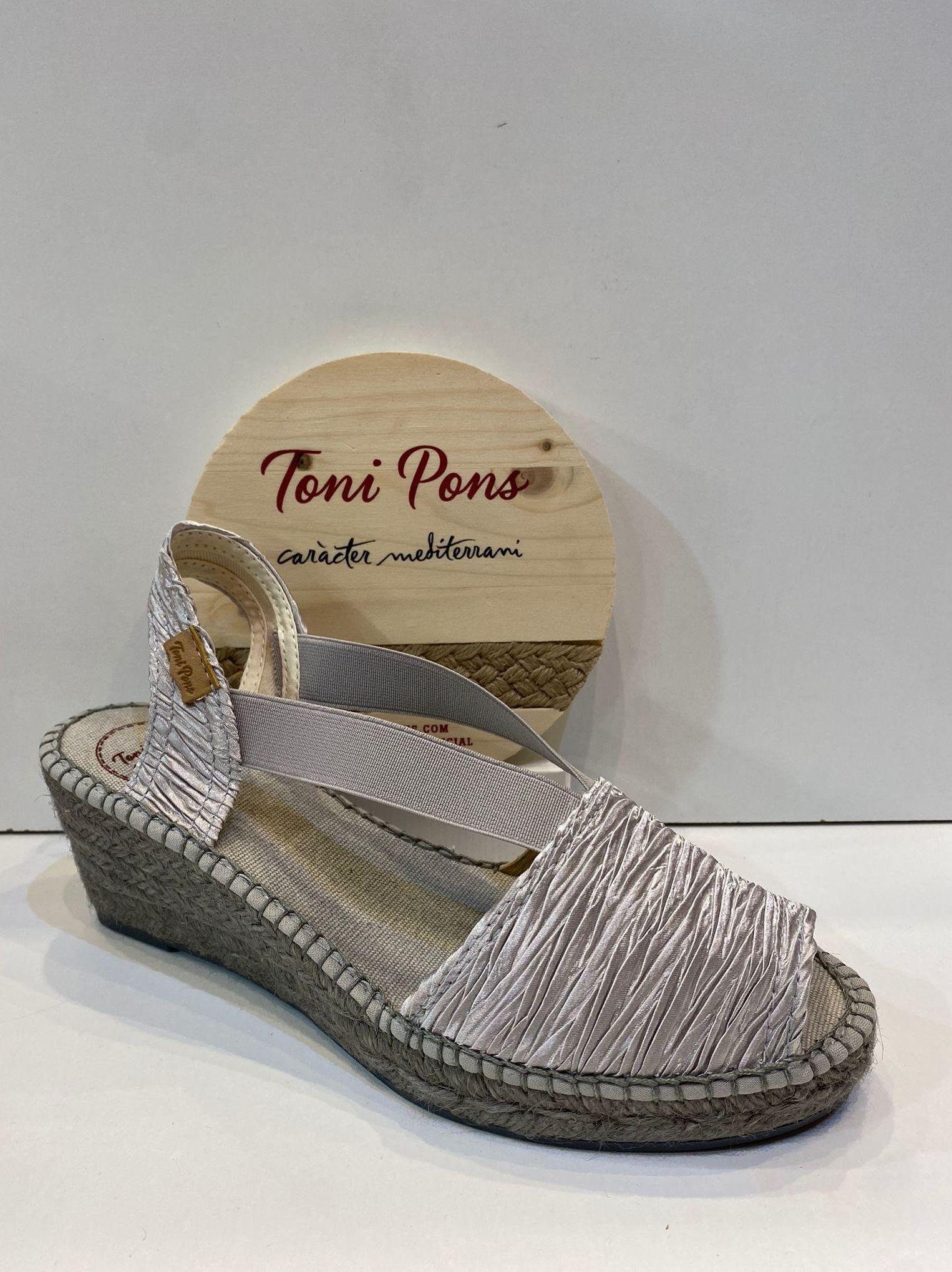 Espardenya d'espart, de la marca Toni Pons, de seda, amb plantilla encoixinada, 7 cm de cunya 59.95€