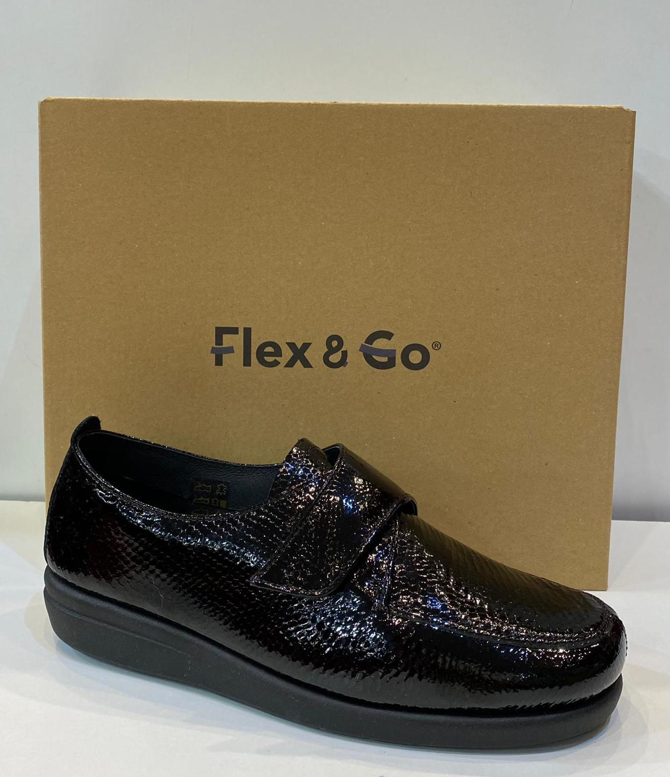 Blucher de dona, de la marca Flex&Go, cordades amb velcro, ample especial, plantilla de làtex, i sola de goma 72€