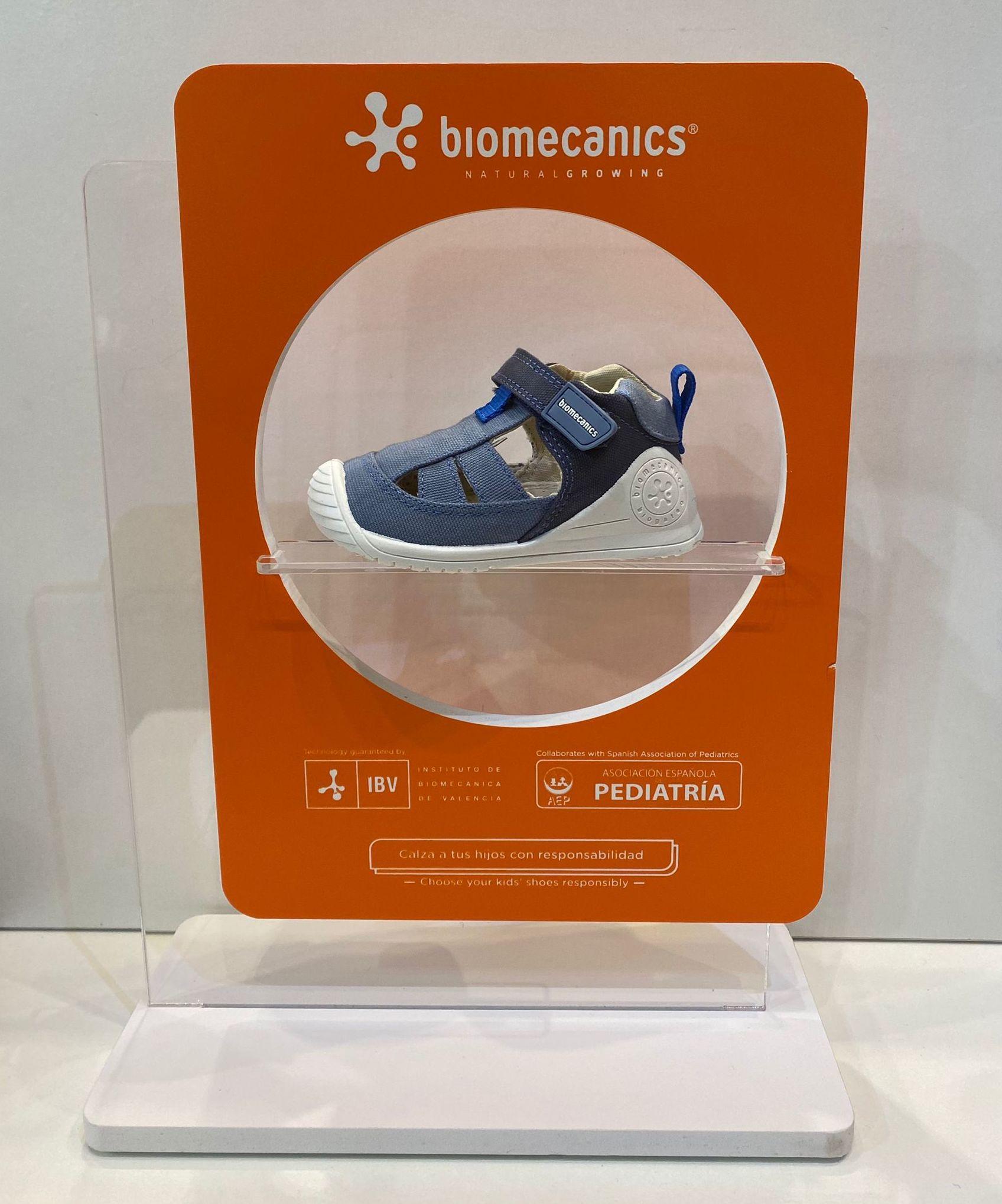 Sandàlia de nen, de la marca Biomecanics, adaptable a plantilles ortopèdiques, amb estabilitzador 35.90€