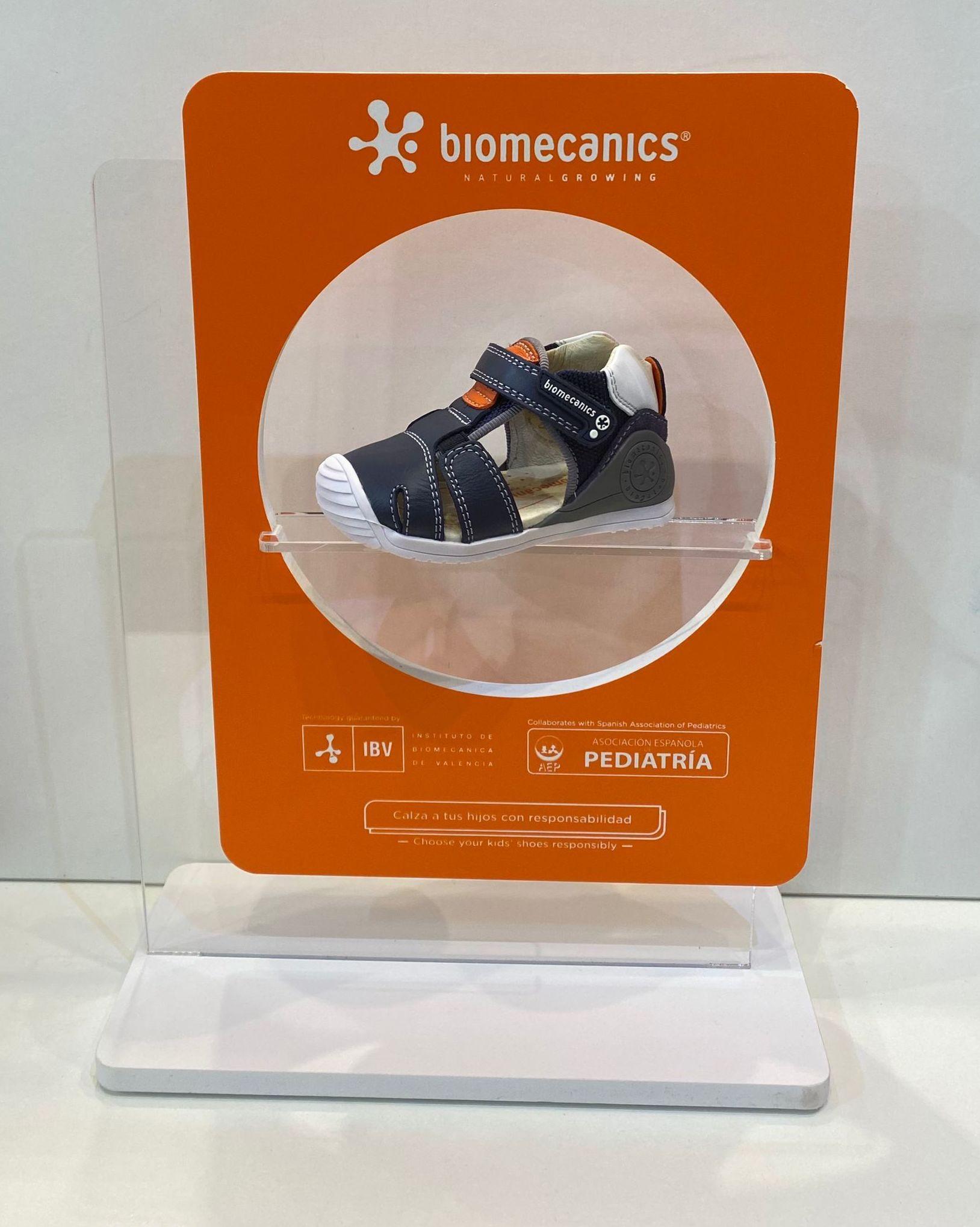 Sandàlia de nen, de la marca Biomecanics, de pell, amb estabilitzador 47.90€