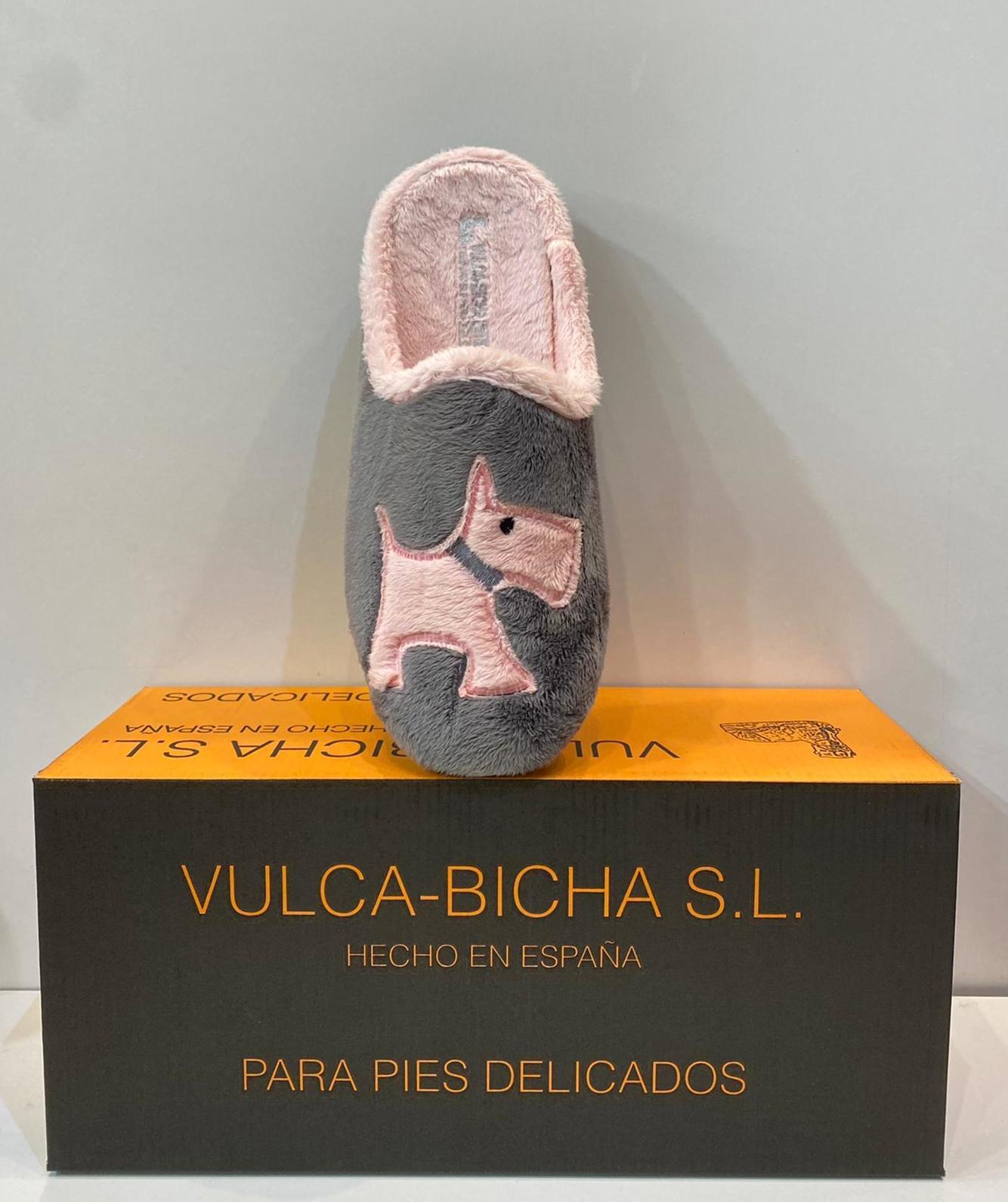 Espardenya de dona, de la marca Vulca-Bicha, amb plantilla extraible i sola de goma 20€