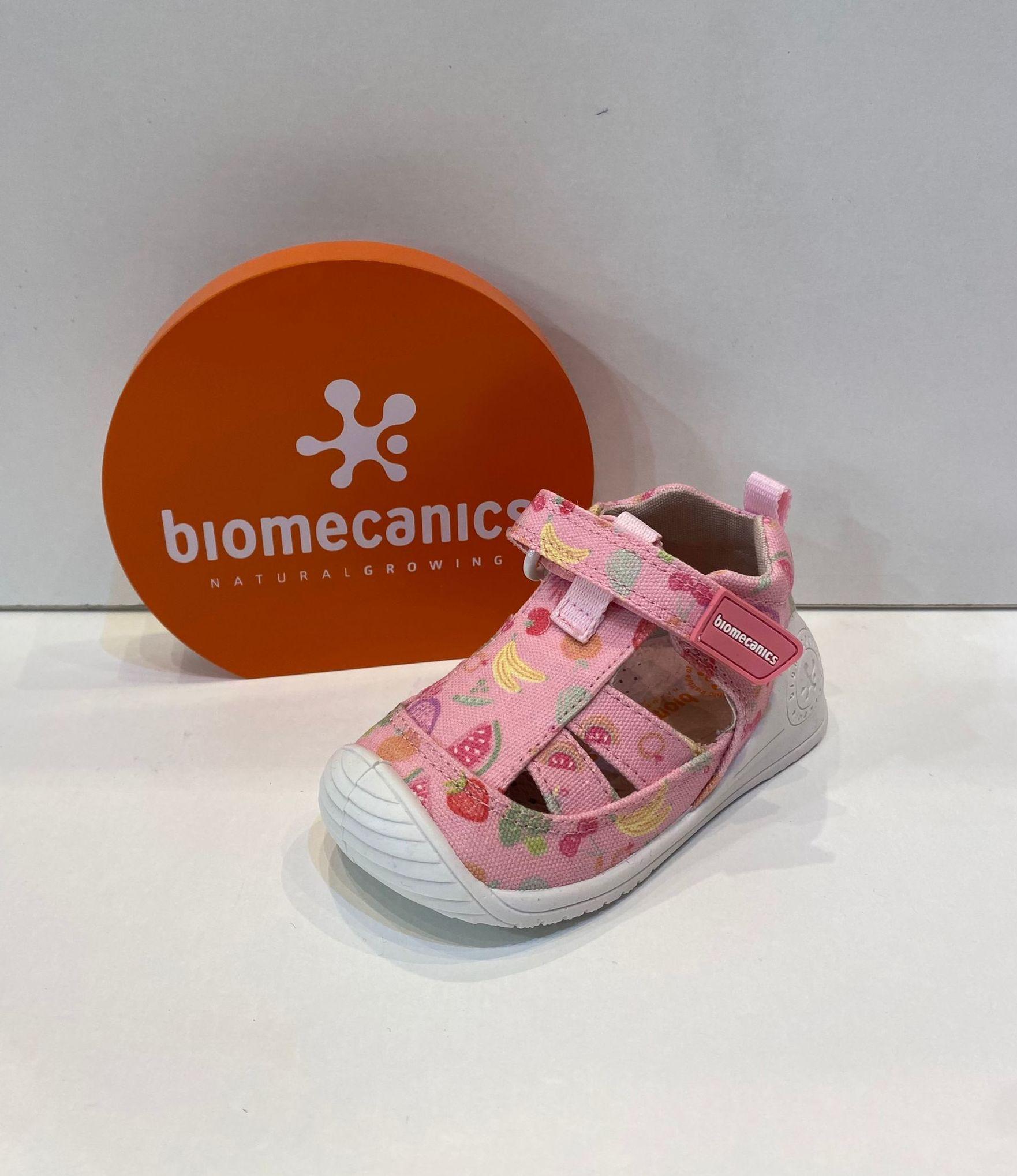 Sandàlia de nena, de la marca Biomecanics, plantilla extraible, sola especial per a gatejar i caminar, amb estabilitzador per a màxima seguretat 35.90€