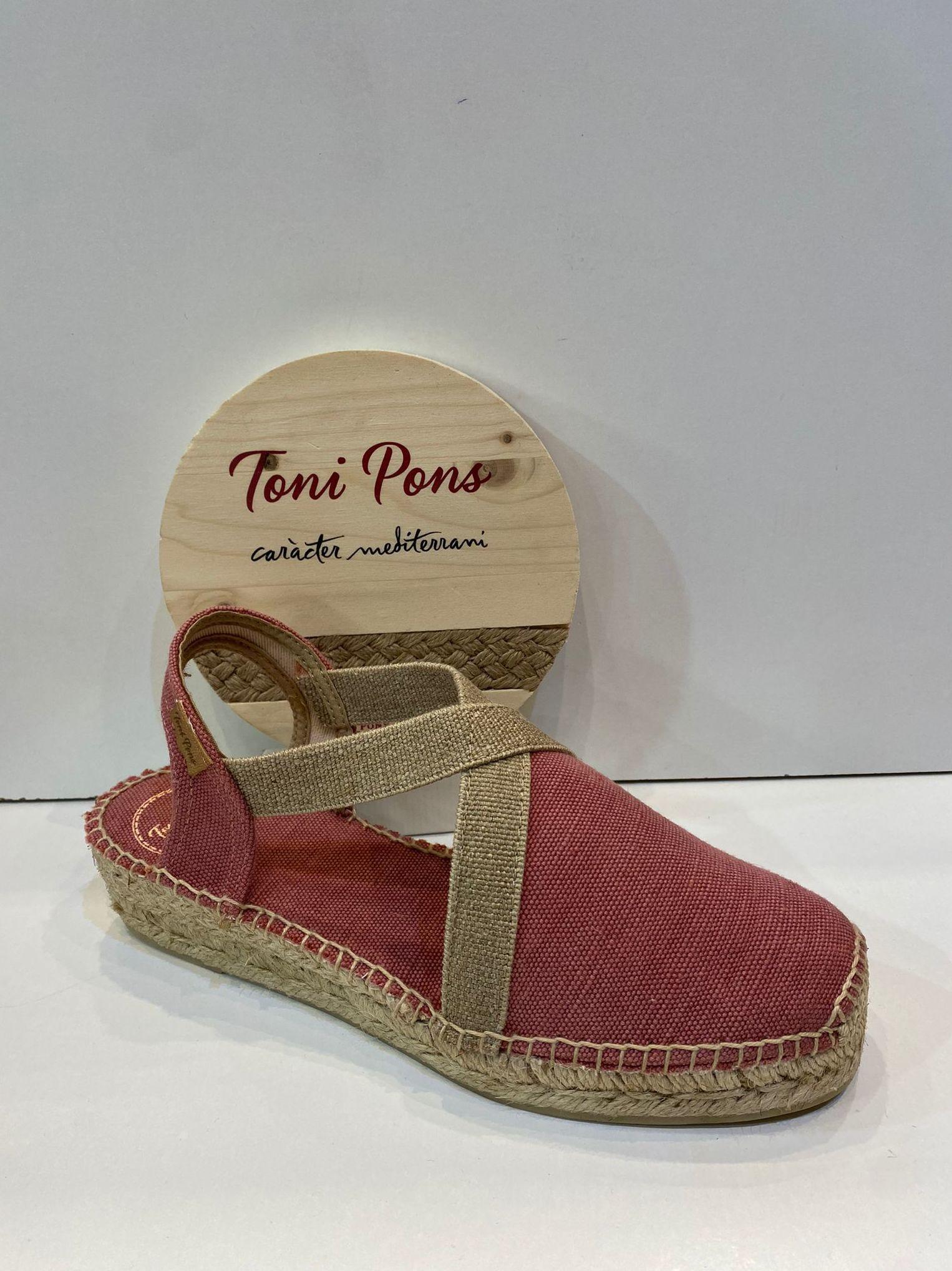 Espardenya d'espart, de la marca Toni Pons, de saca, plantilla encoixinada, sola amb 4 cm de cunya 49.95€