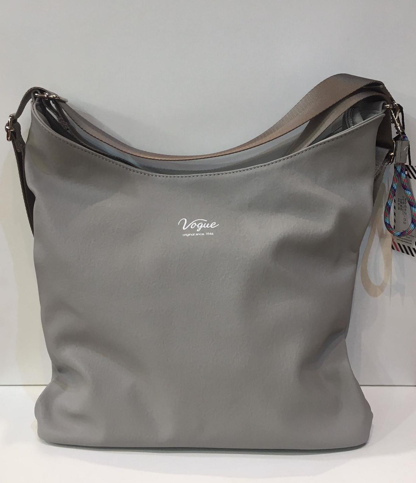 Bossa/Motxilla de la marca Vogue, de mida gran, tires regulables a motxilla i a bossa, adaptables a totes les mides 42€