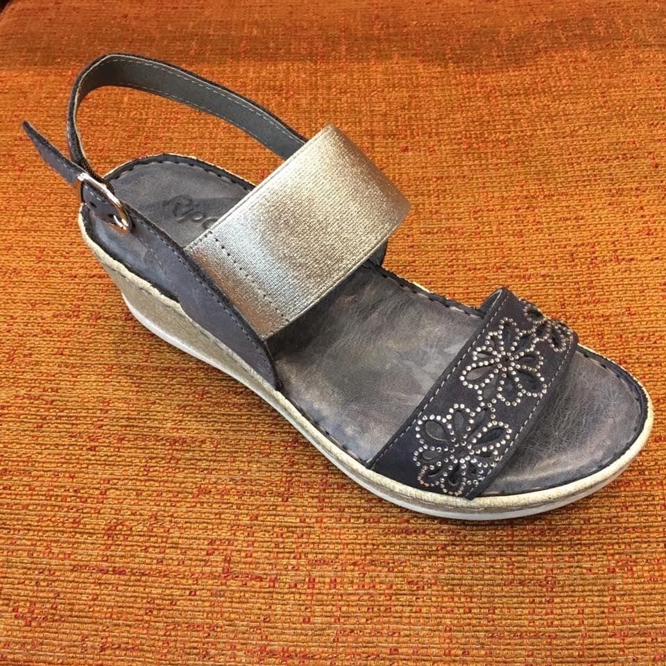 Sandalia de la marca Riposella: Servicios de Calçats Llinàs