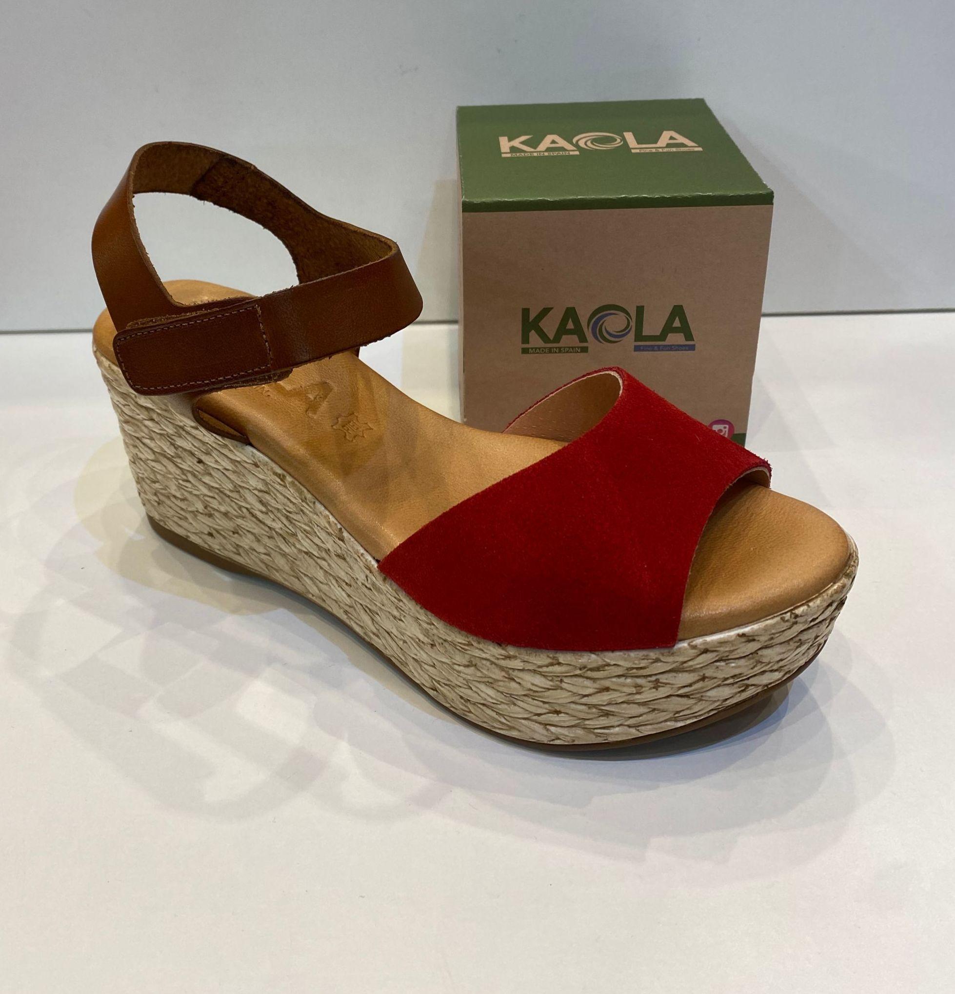 Sandàlia de dona, de la marca Kaola, ample especial, plantilla de gel de viscoelàstica, sola de politilè antilliscant 44.95€ www.calzadosllinas.es