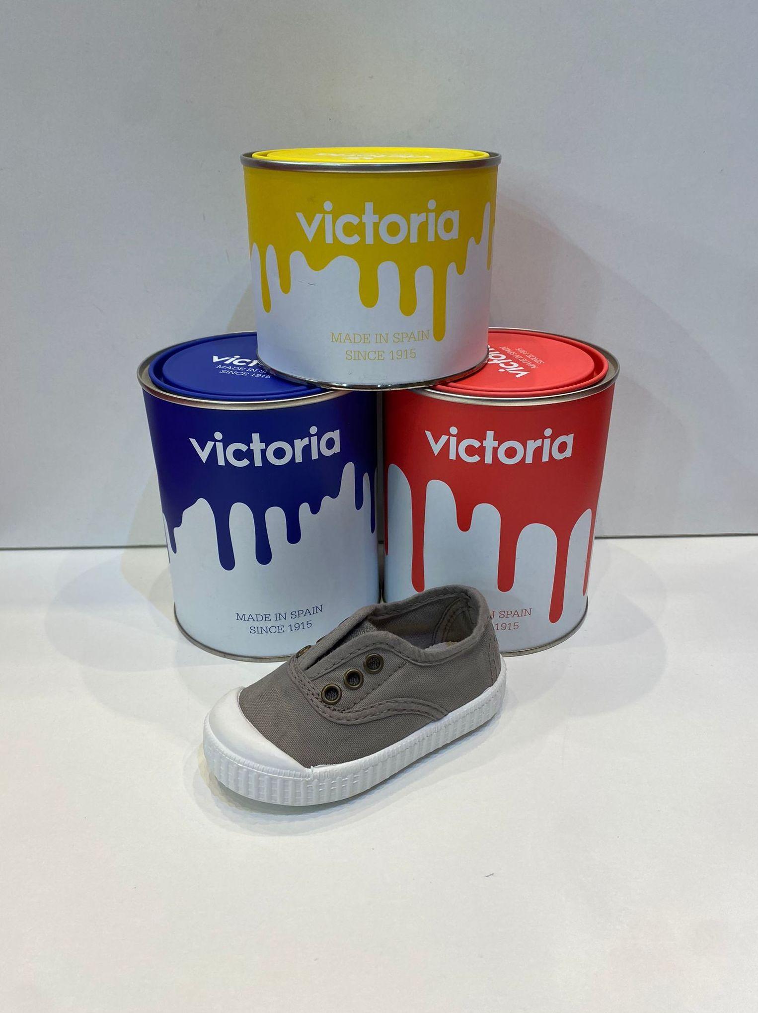 Loneta de cotó rentat, de la marca Victoria, amb puntera de goma 35€ www.calzadosllinas.es