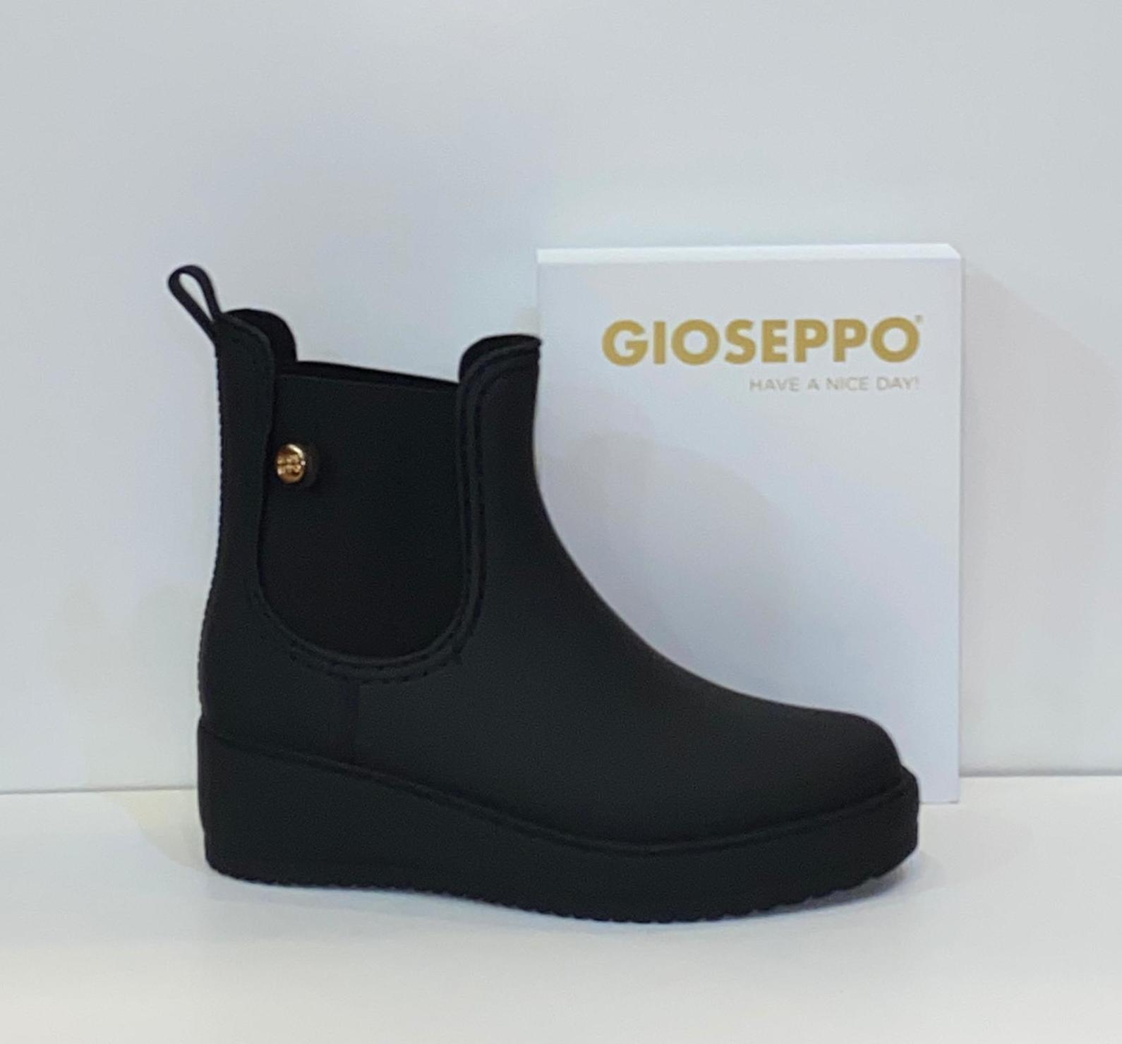Botí d'aigua de dona, de la marca Gioseppo 39.95€